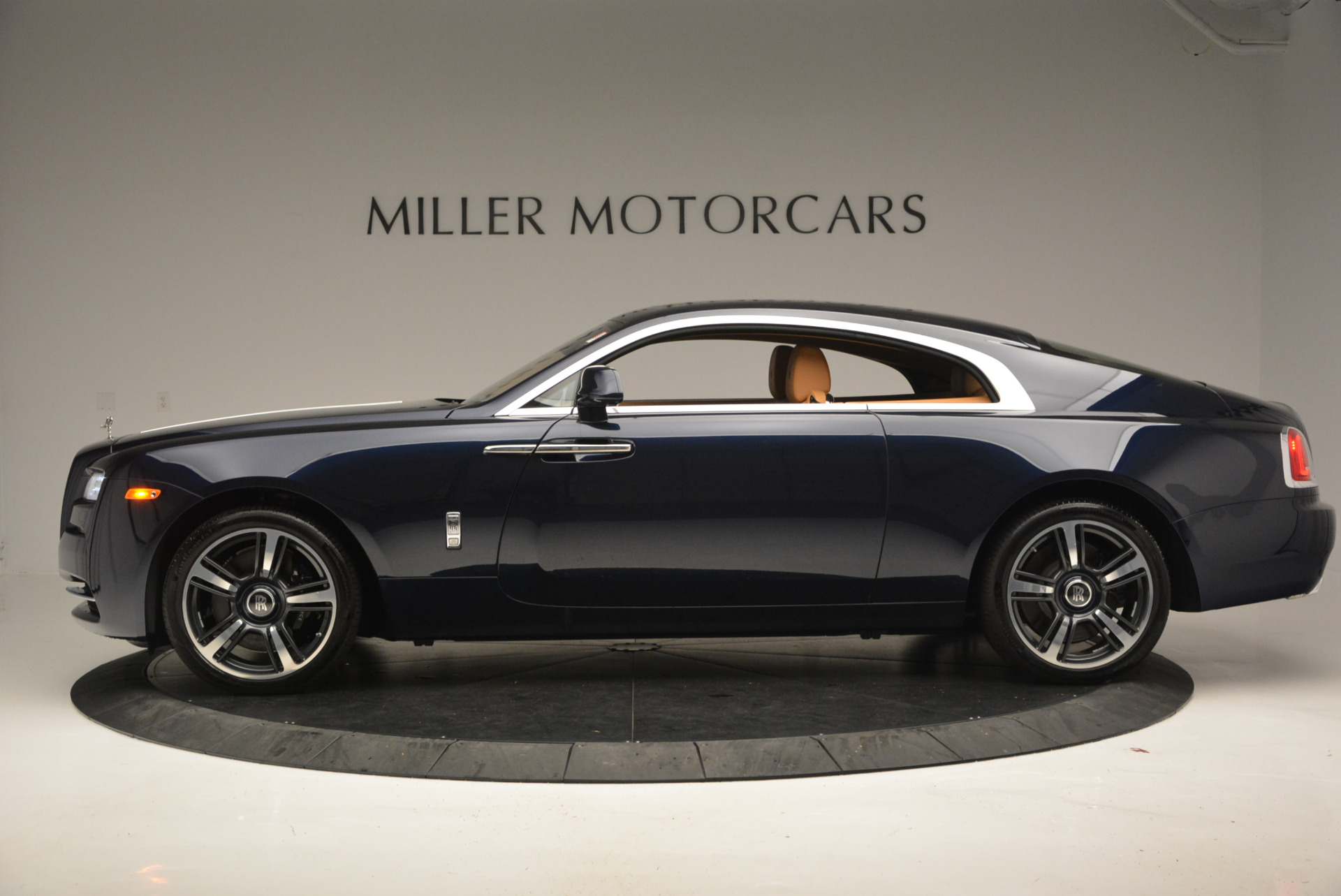 Used 2016 Rolls-Royce Wraith  For Sale In Greenwich, CT 219_p2
