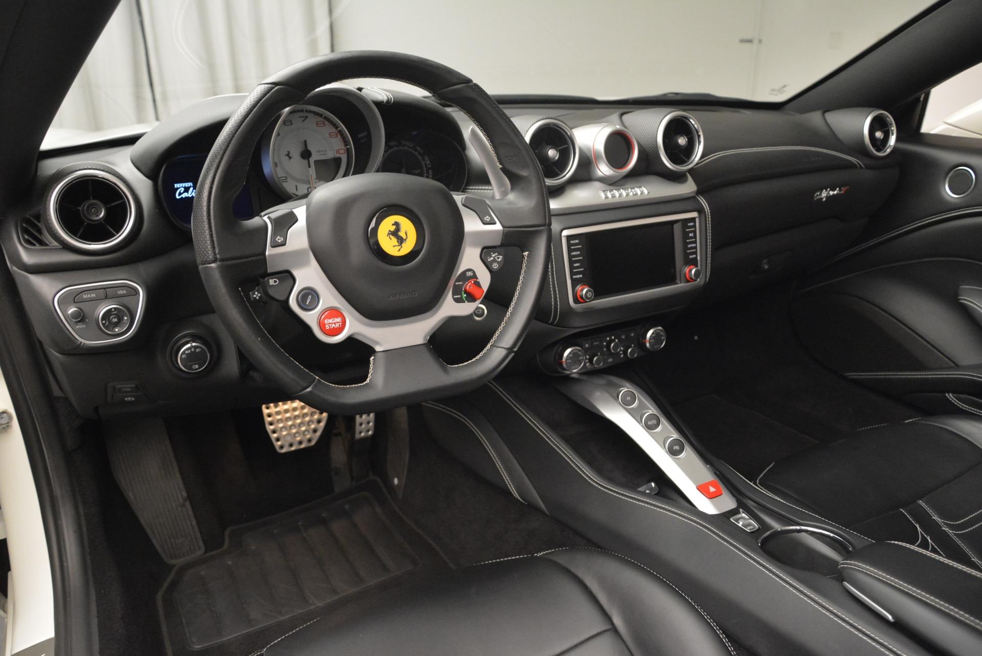 Used 2015 Ferrari California T  For Sale In Greenwich, CT 2199_p25