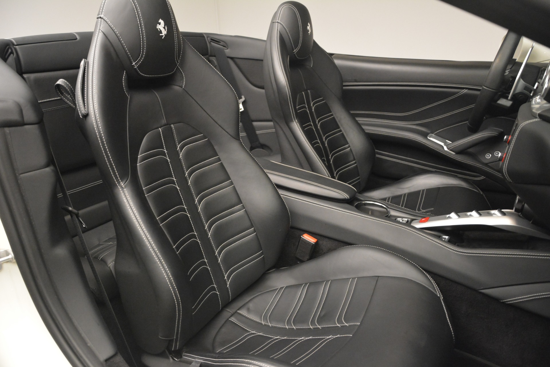 Used 2015 Ferrari California T  For Sale In Greenwich, CT 2199_p32