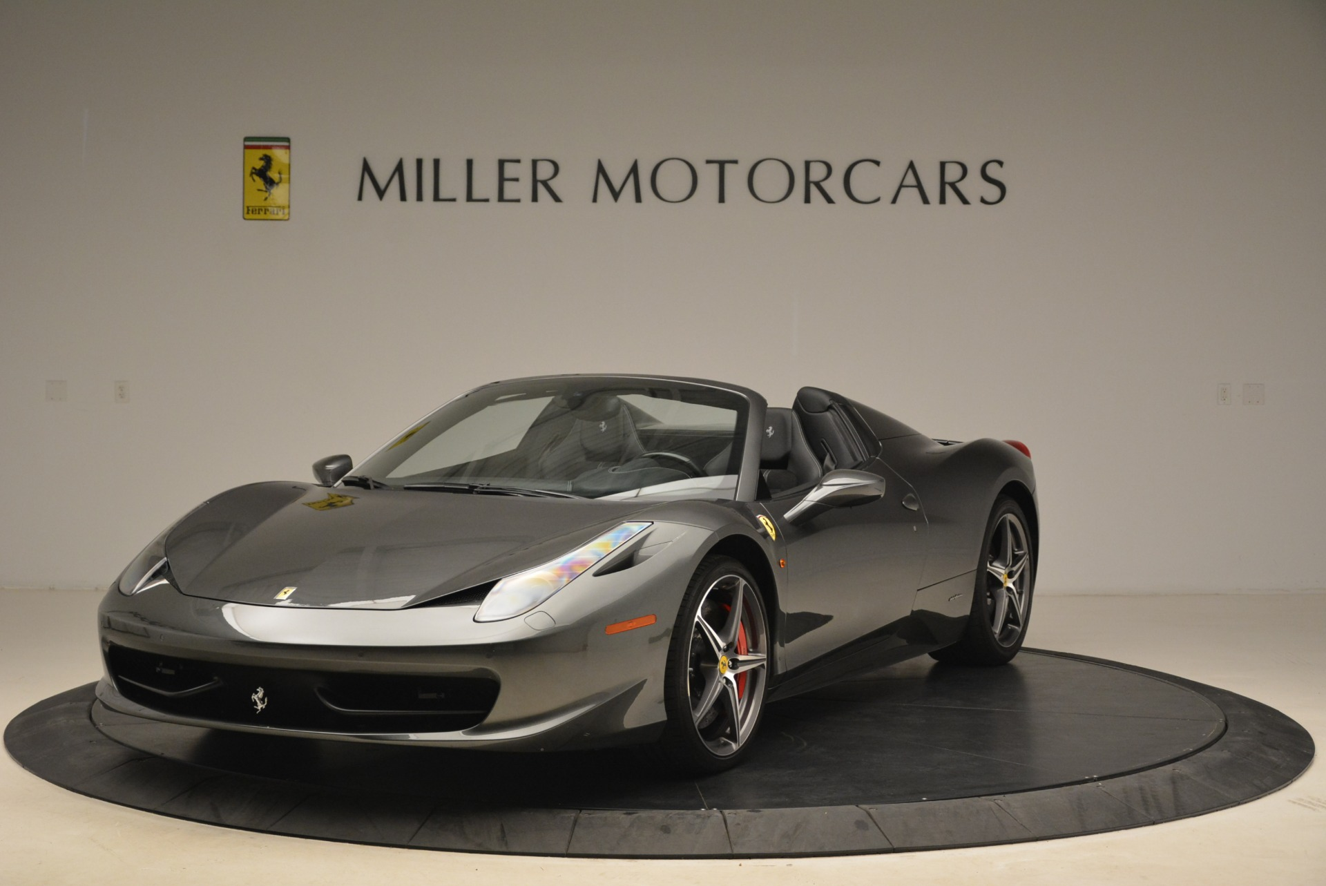 Used 2013 Ferrari 458 Spider  For Sale In Greenwich, CT 2202_main