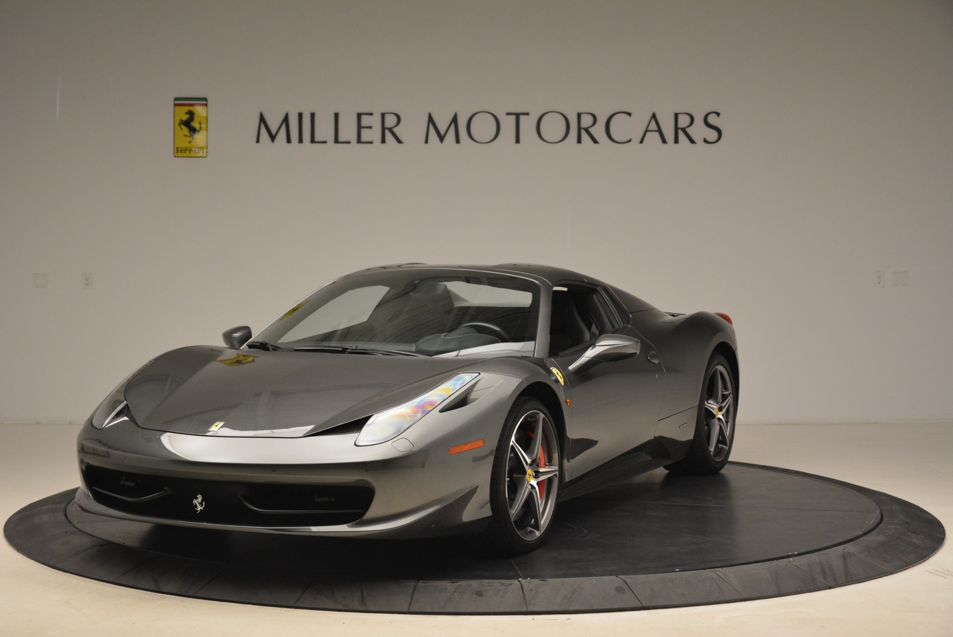 Used 2013 Ferrari 458 Spider  For Sale In Greenwich, CT 2202_p13