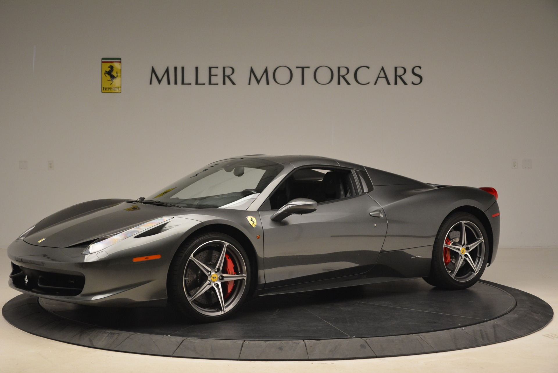 Used 2013 Ferrari 458 Spider  For Sale In Greenwich, CT 2202_p14