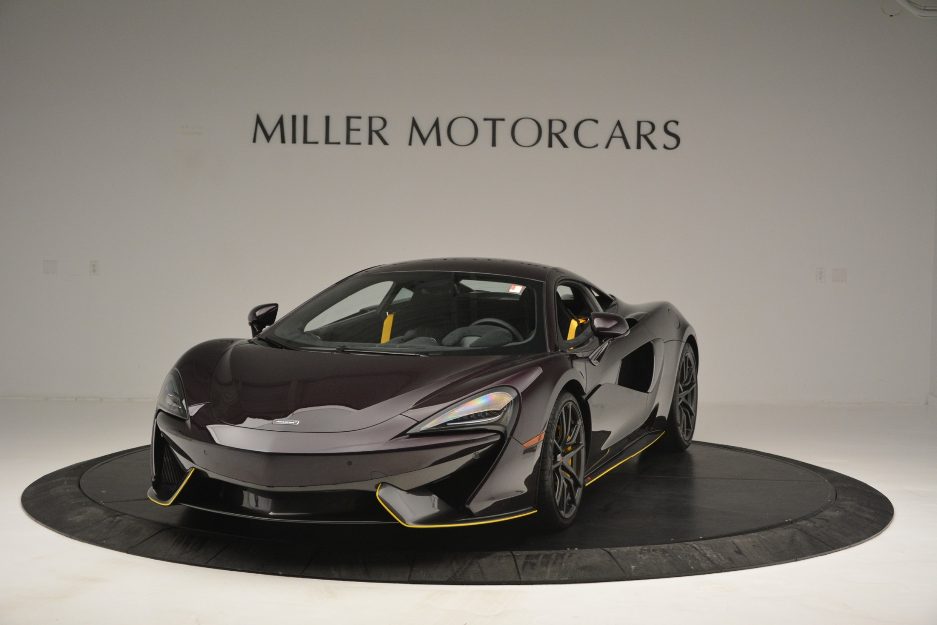Used 2018 McLaren 570S  For Sale In Greenwich, CT 2204_main