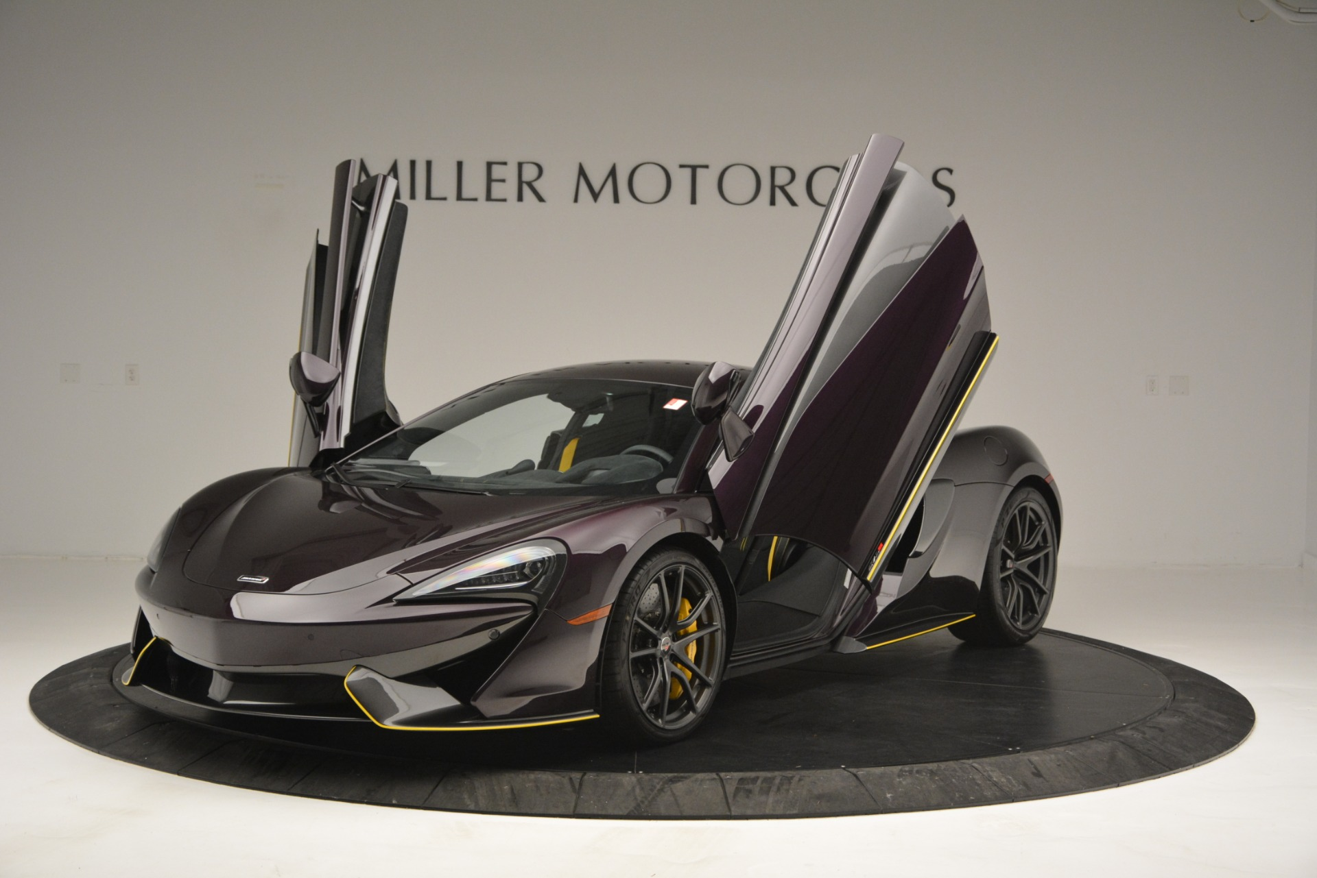 Used 2018 McLaren 570S  For Sale In Greenwich, CT 2204_p14