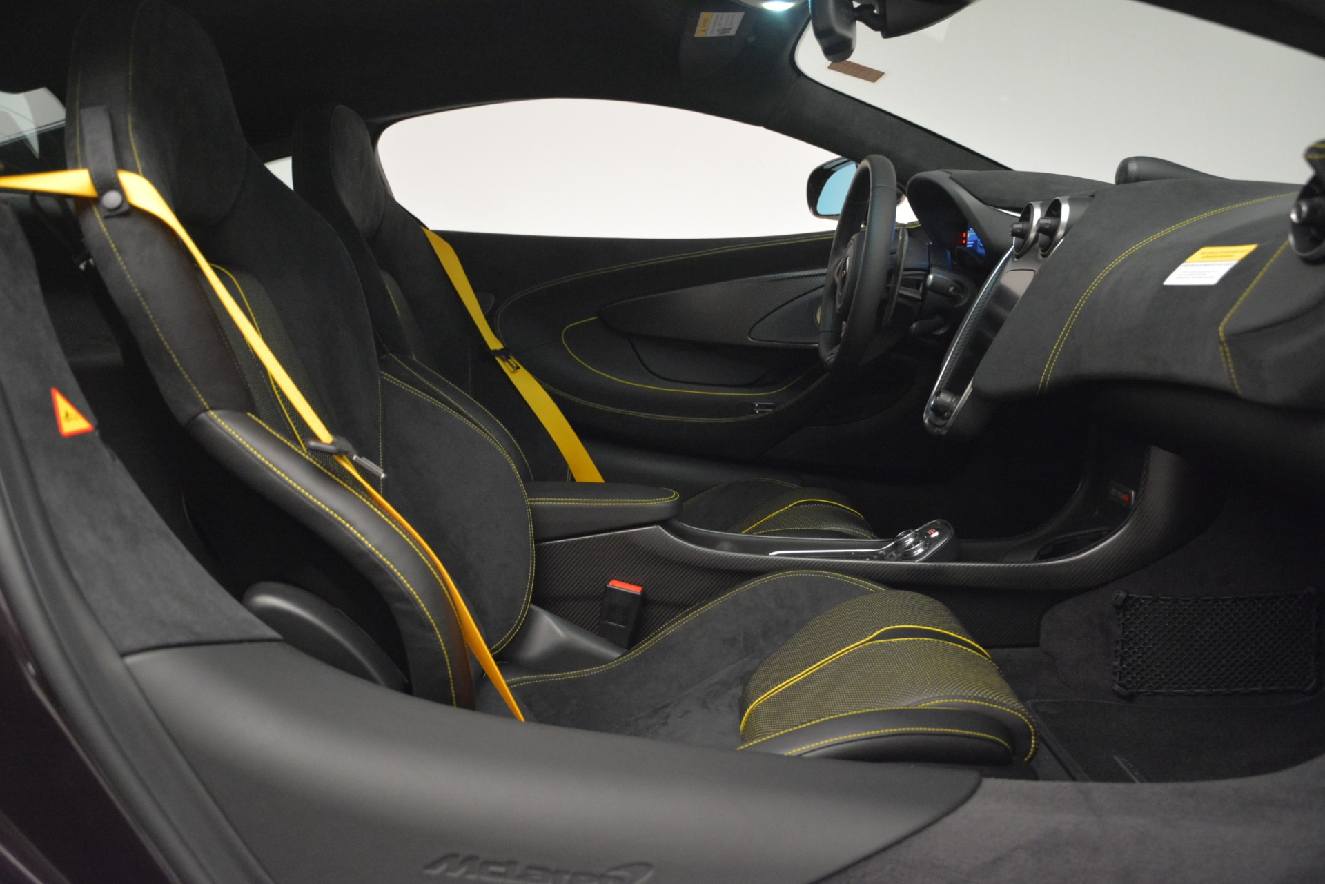 Used 2018 McLaren 570S  For Sale In Greenwich, CT 2204_p19