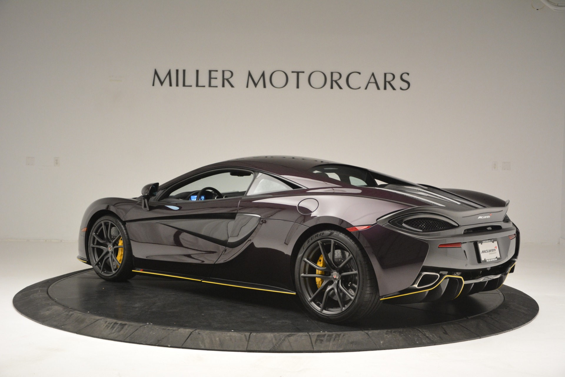 Used 2018 McLaren 570S  For Sale In Greenwich, CT 2204_p4
