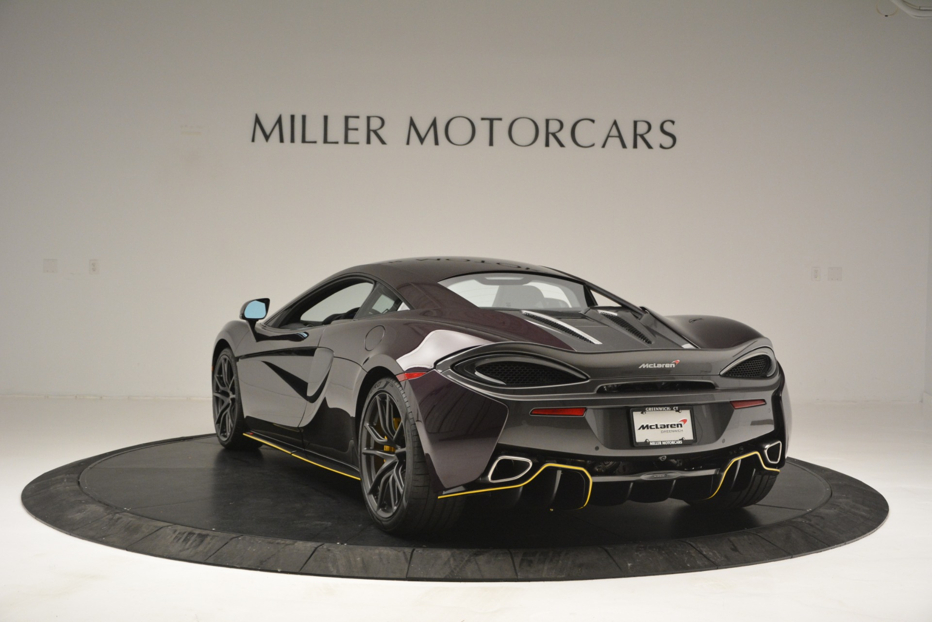 Used 2018 McLaren 570S  For Sale In Greenwich, CT 2204_p5
