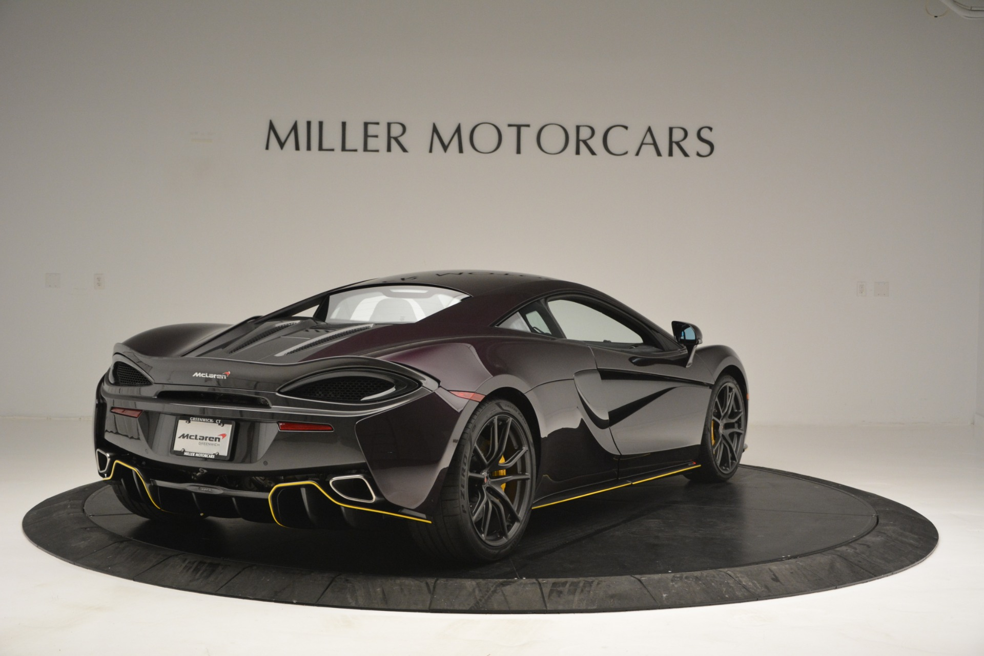 Used 2018 McLaren 570S  For Sale In Greenwich, CT 2204_p7