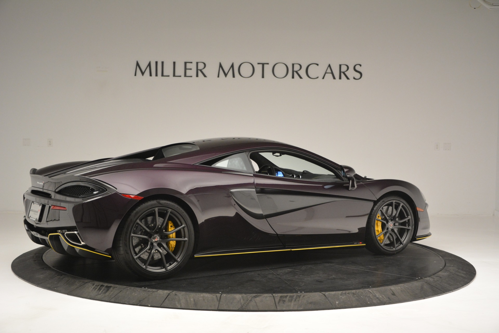 Used 2018 McLaren 570S  For Sale In Greenwich, CT 2204_p8