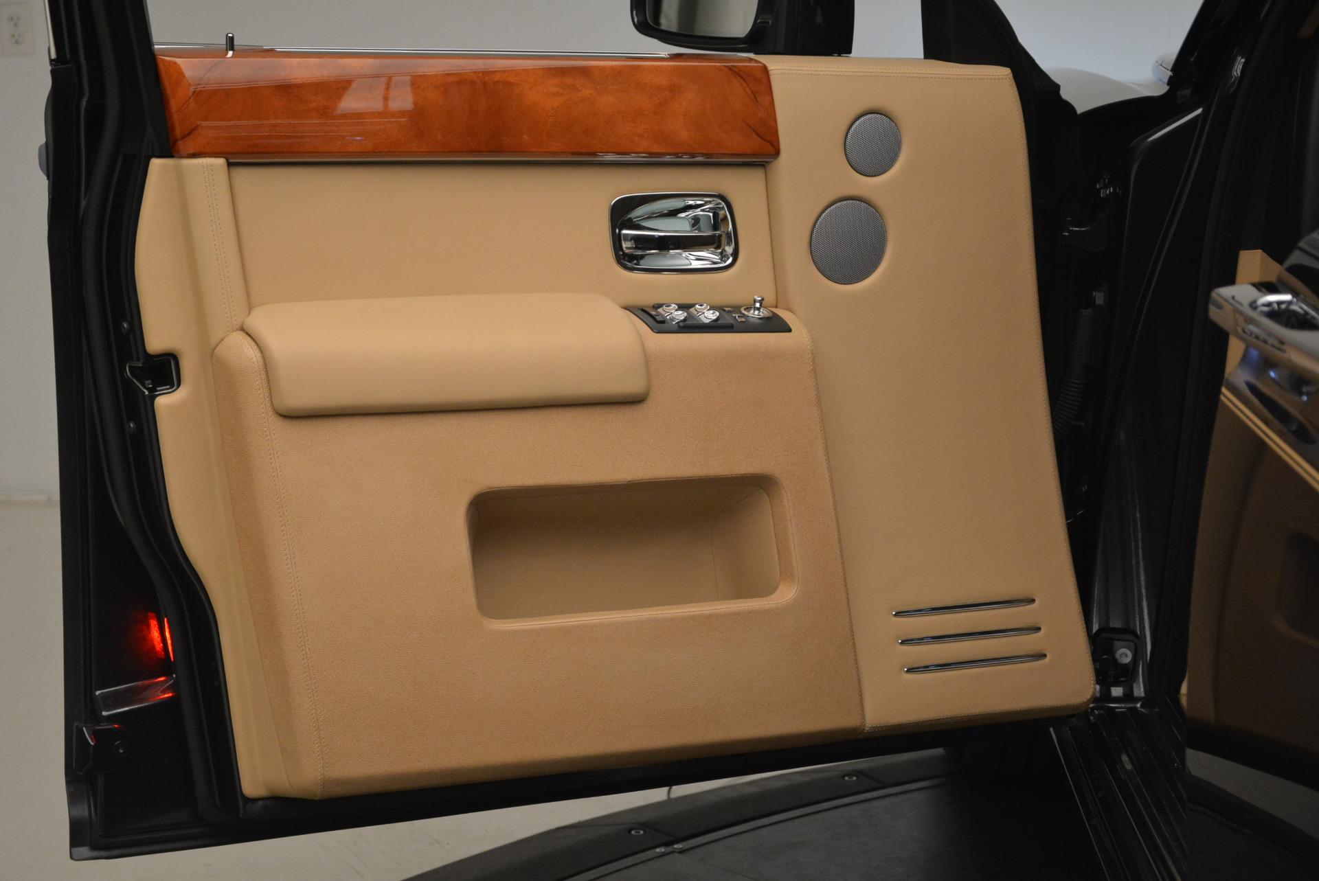 Used 2013 Rolls-Royce Phantom  For Sale In Greenwich, CT 2208_p13