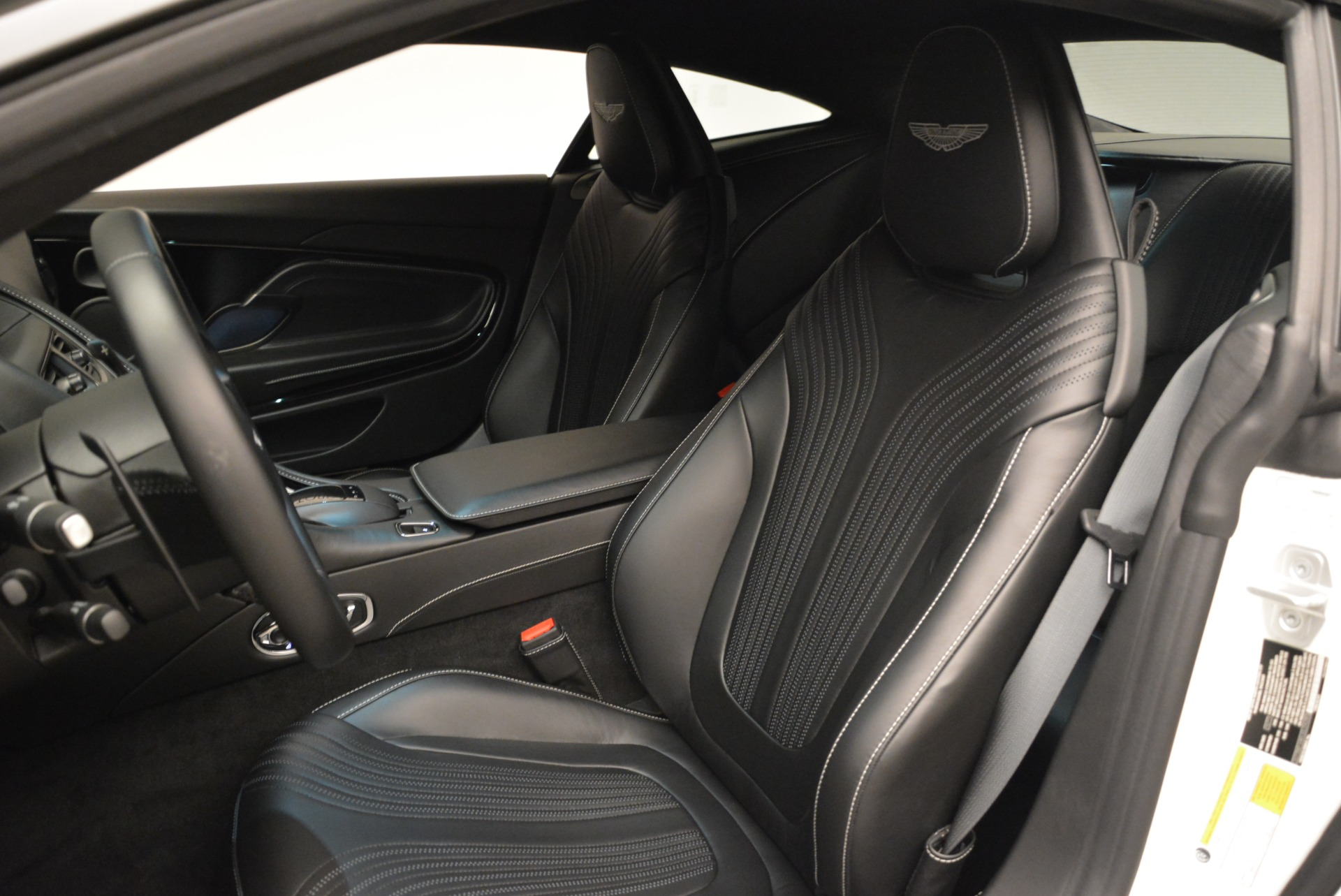 New 2018 Aston Martin DB11 V8 Coupe For Sale In Greenwich, CT 2211_p14