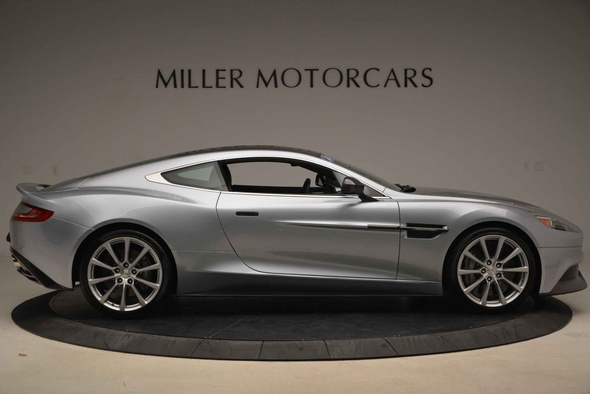 Used 2014 Aston Martin Vanquish  For Sale In Greenwich, CT 2212_p9