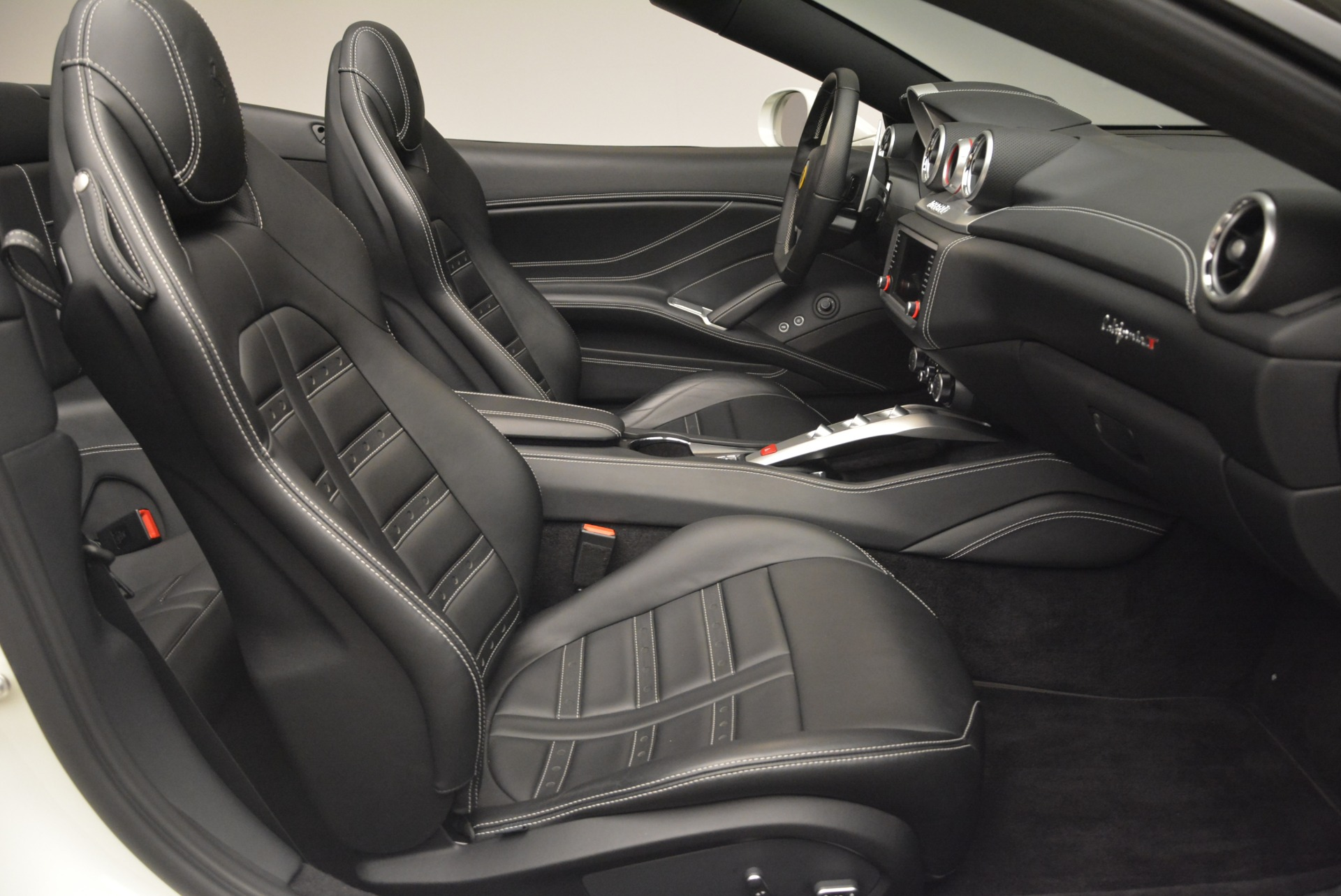 Used 2016 Ferrari California T  For Sale In Greenwich, CT 2213_p31