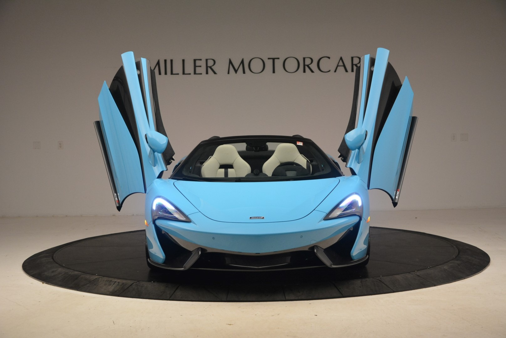 Used 2018 McLaren 570S Spider For Sale In Greenwich, CT 2215_p13