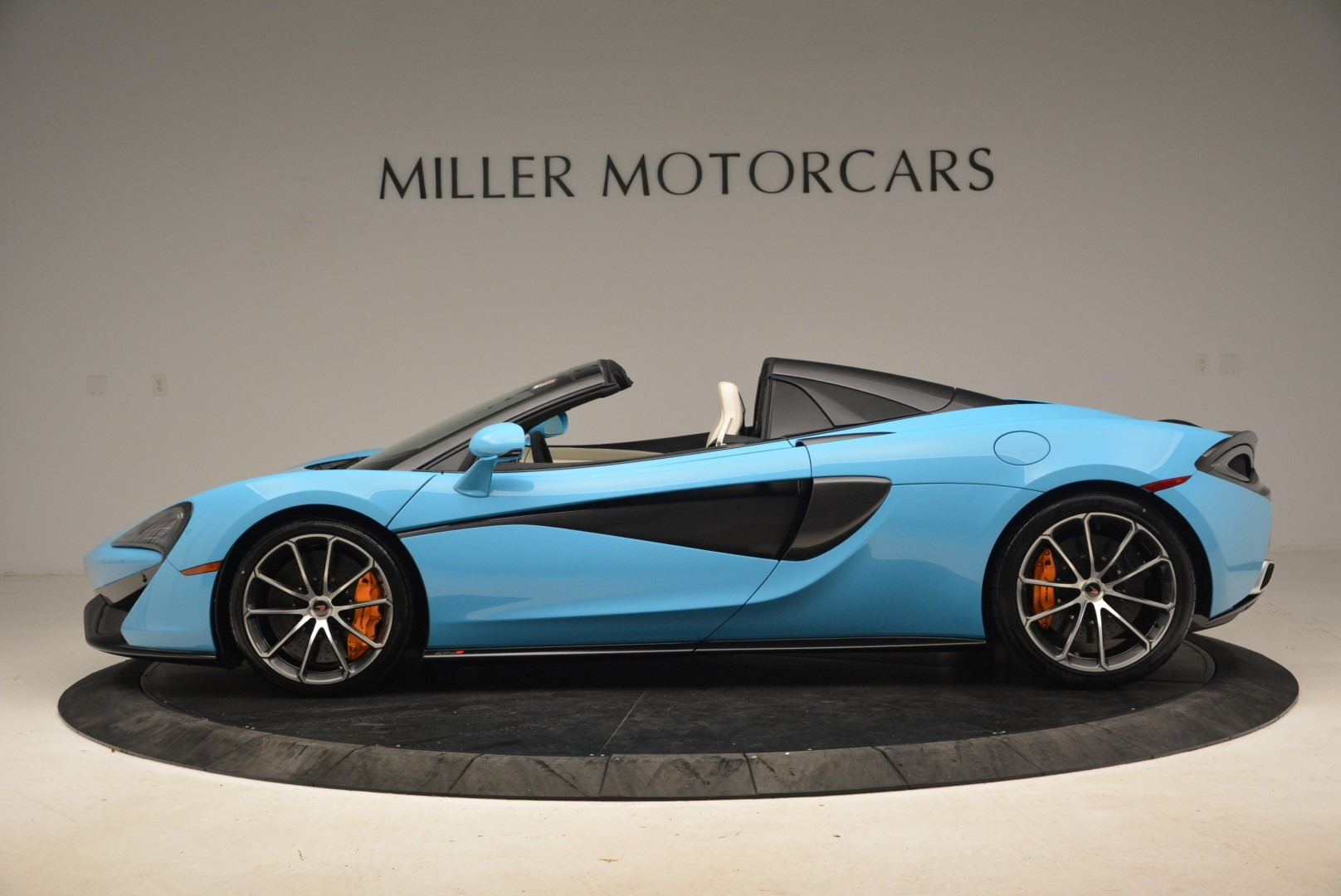 Used 2018 McLaren 570S Spider For Sale In Greenwich, CT 2215_p3