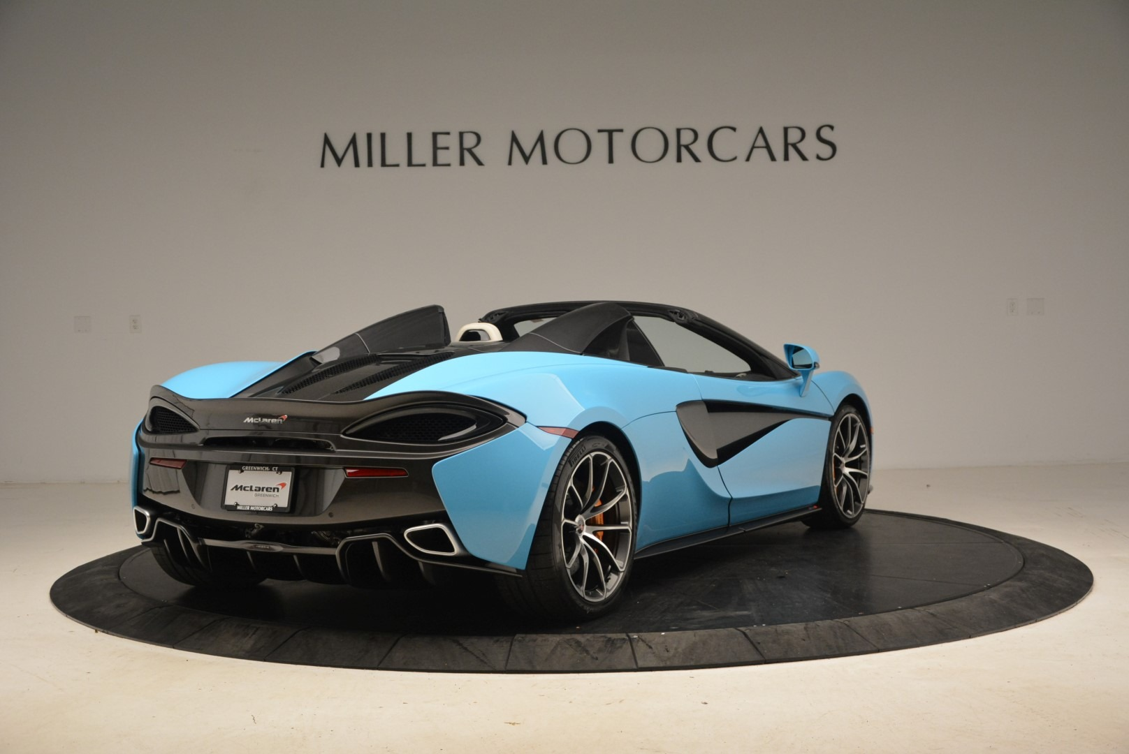 Used 2018 McLaren 570S Spider For Sale In Greenwich, CT 2215_p7