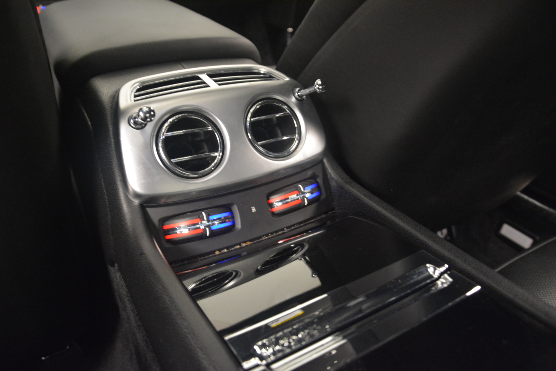 Used 2014 Rolls-Royce Wraith  For Sale In Greenwich, CT 2216_p24