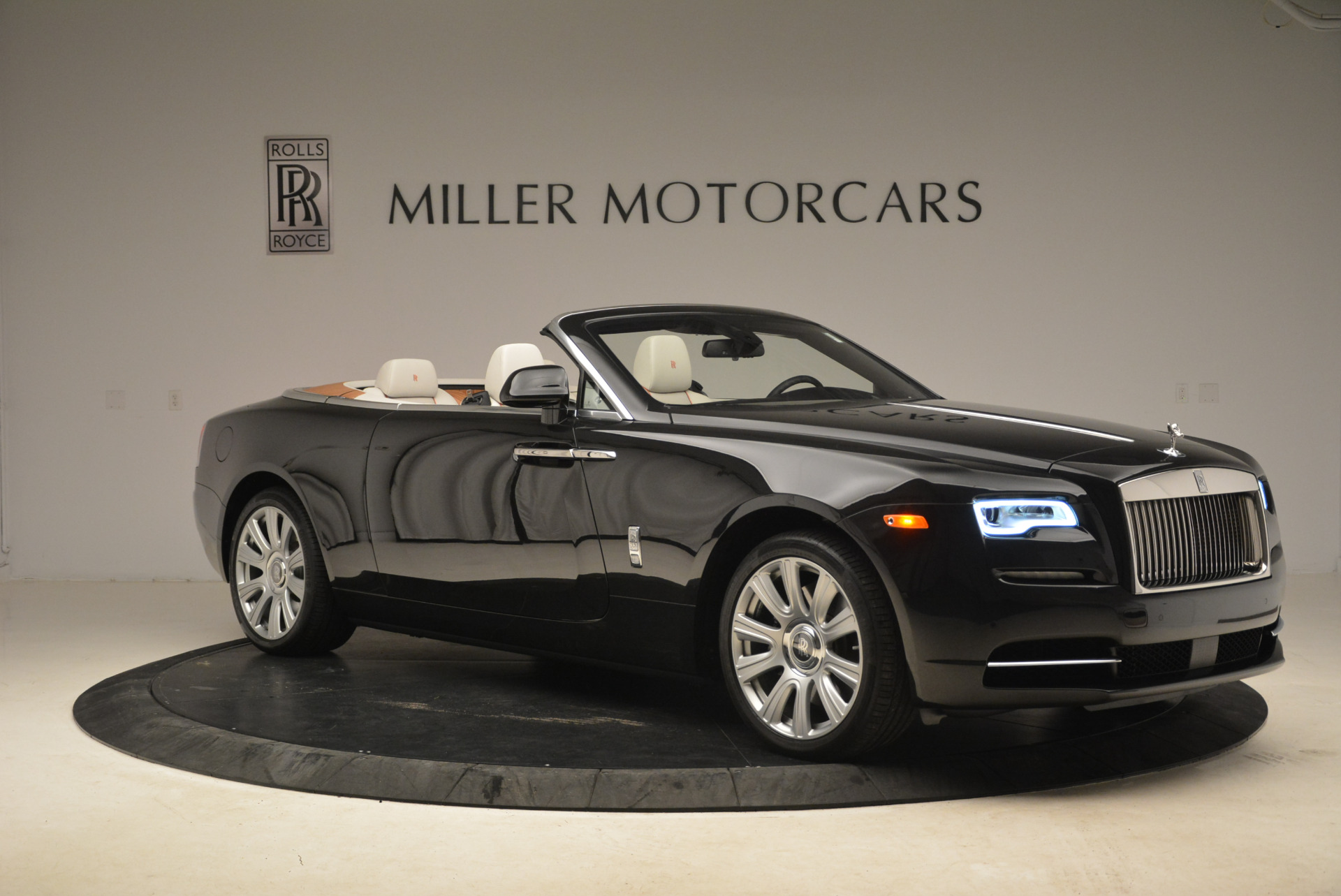 Used 2016 Rolls-Royce Dawn  For Sale In Greenwich, CT 2220_p11