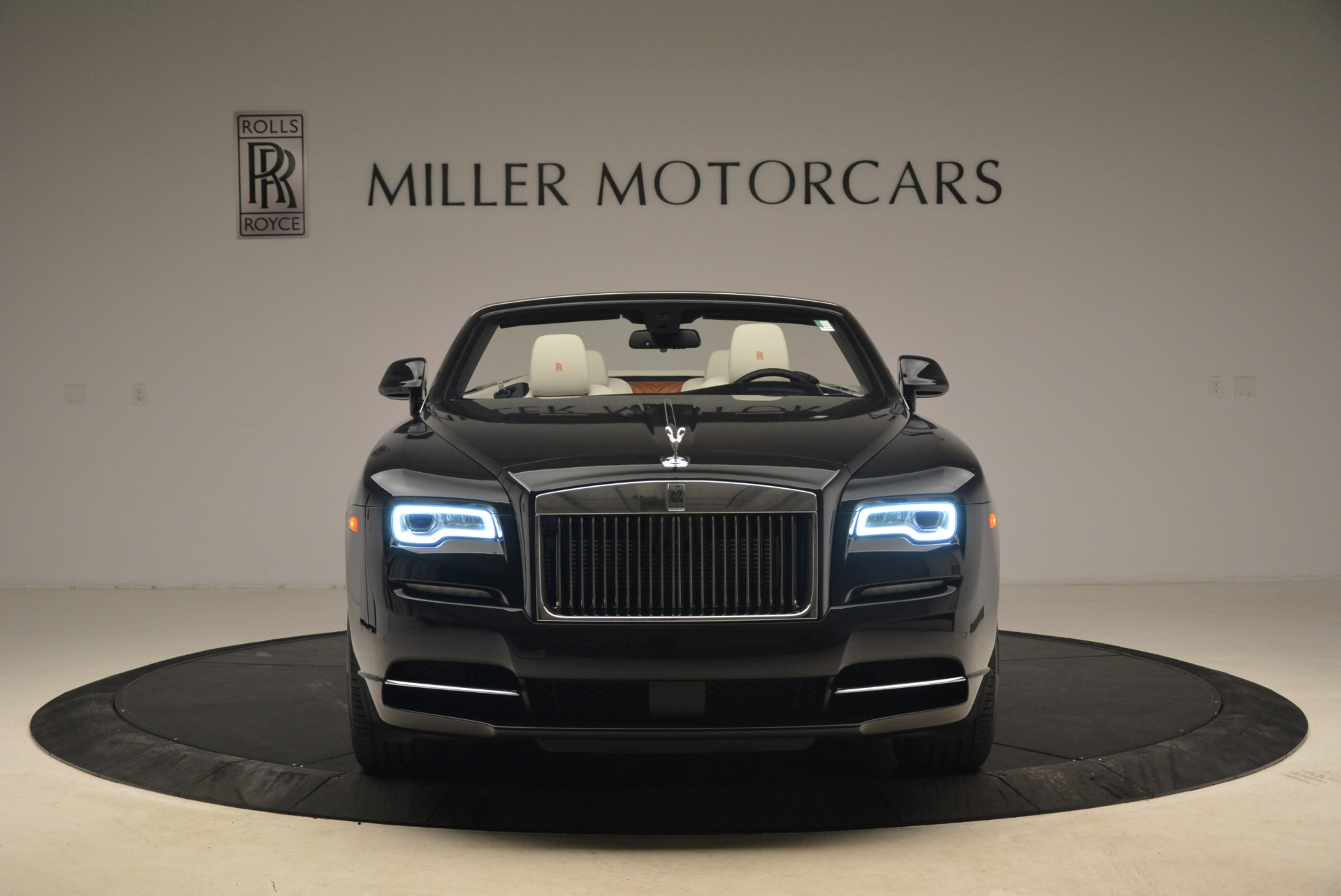 Used 2016 Rolls-Royce Dawn  For Sale In Greenwich, CT 2220_p12