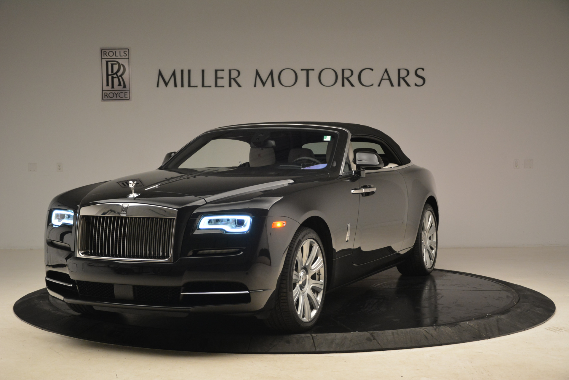 Used 2016 Rolls-Royce Dawn  For Sale In Greenwich, CT 2220_p13