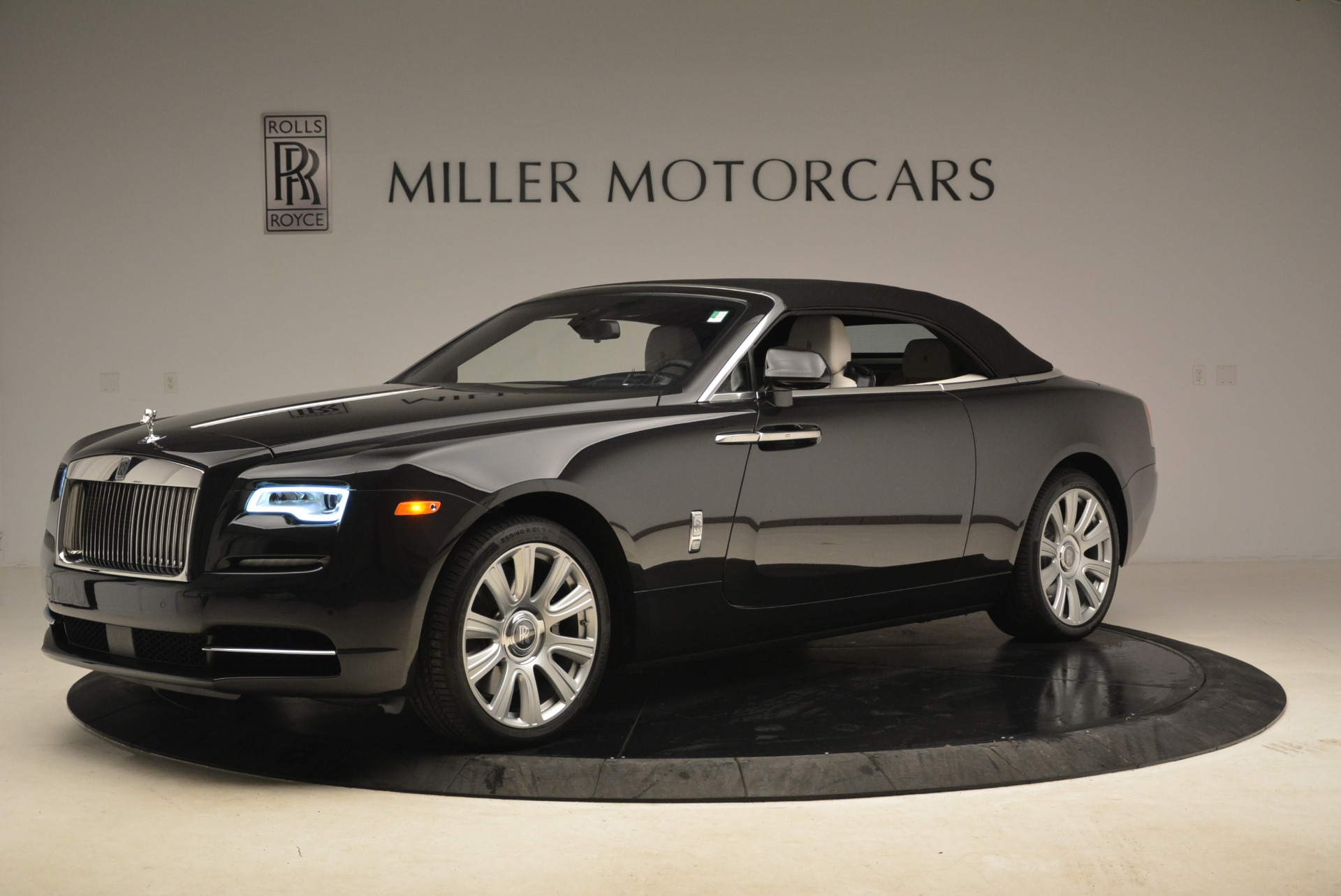 Used 2016 Rolls-Royce Dawn  For Sale In Greenwich, CT 2220_p14