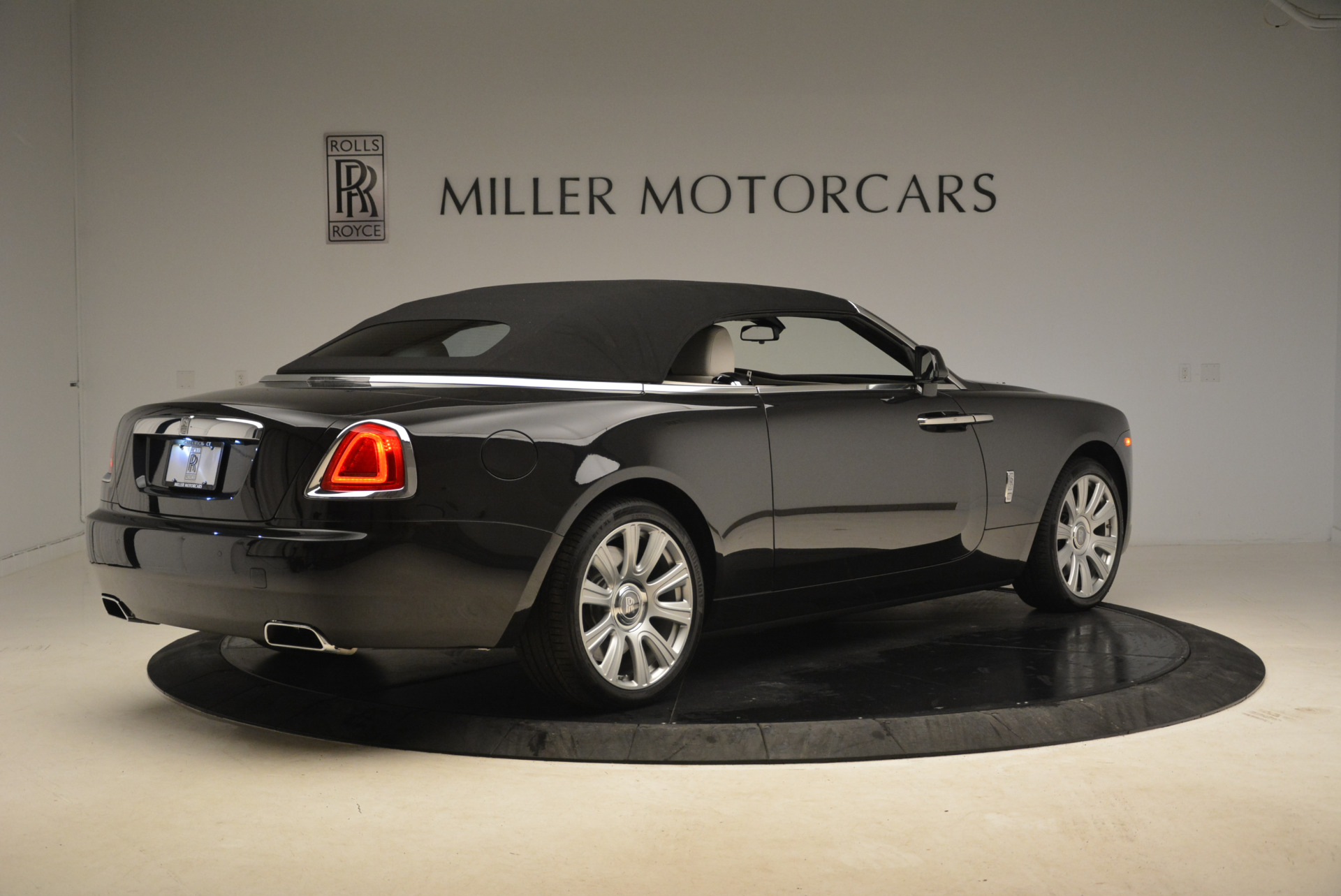 Used 2016 Rolls-Royce Dawn  For Sale In Greenwich, CT 2220_p20