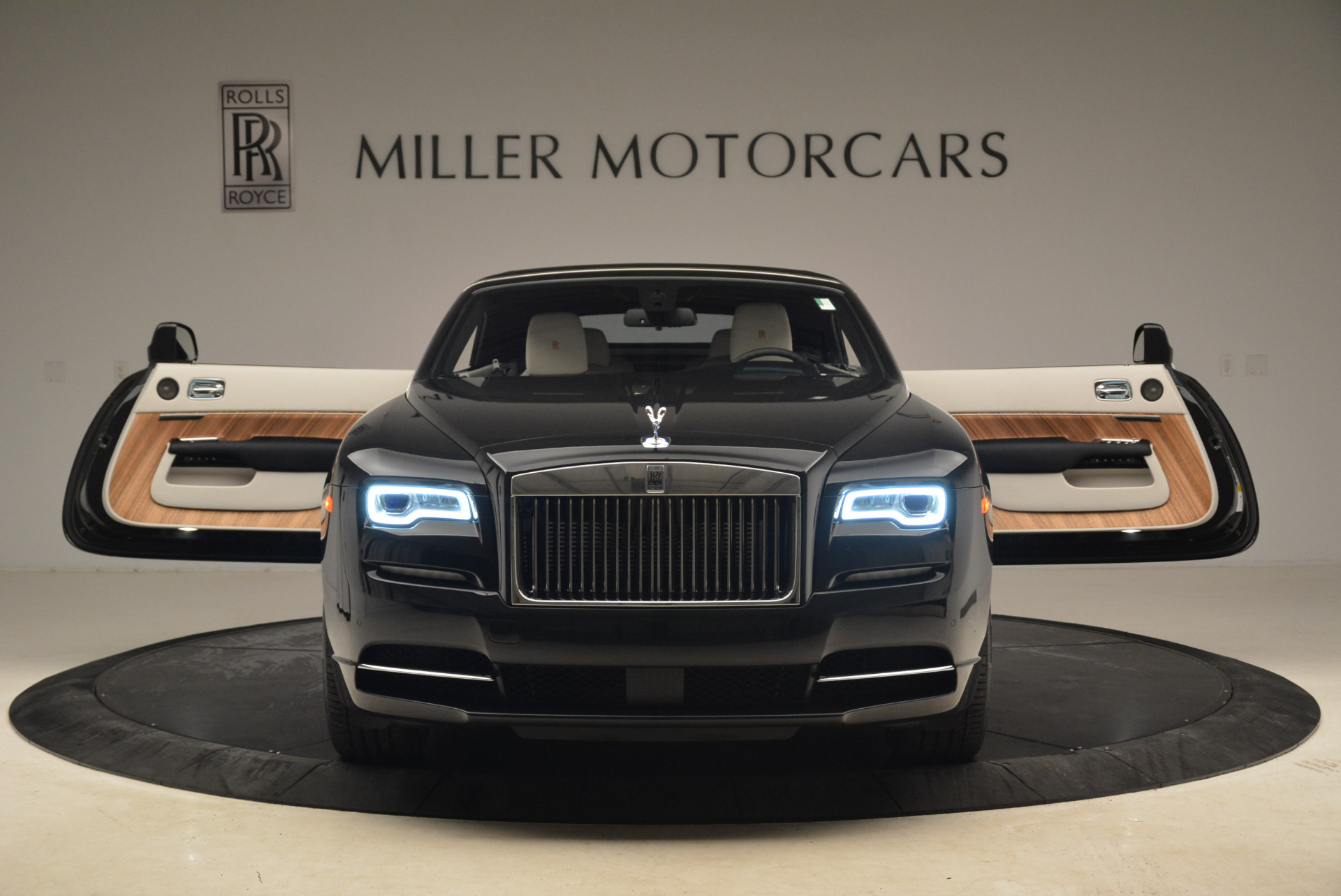 Used 2016 Rolls-Royce Dawn  For Sale In Greenwich, CT 2220_p25