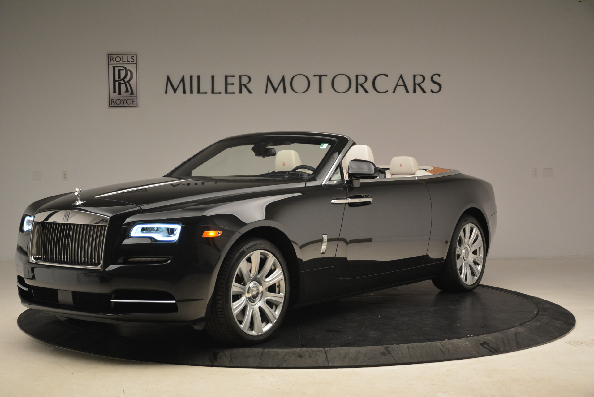 Used 2016 Rolls-Royce Dawn  For Sale In Greenwich, CT 2220_p2