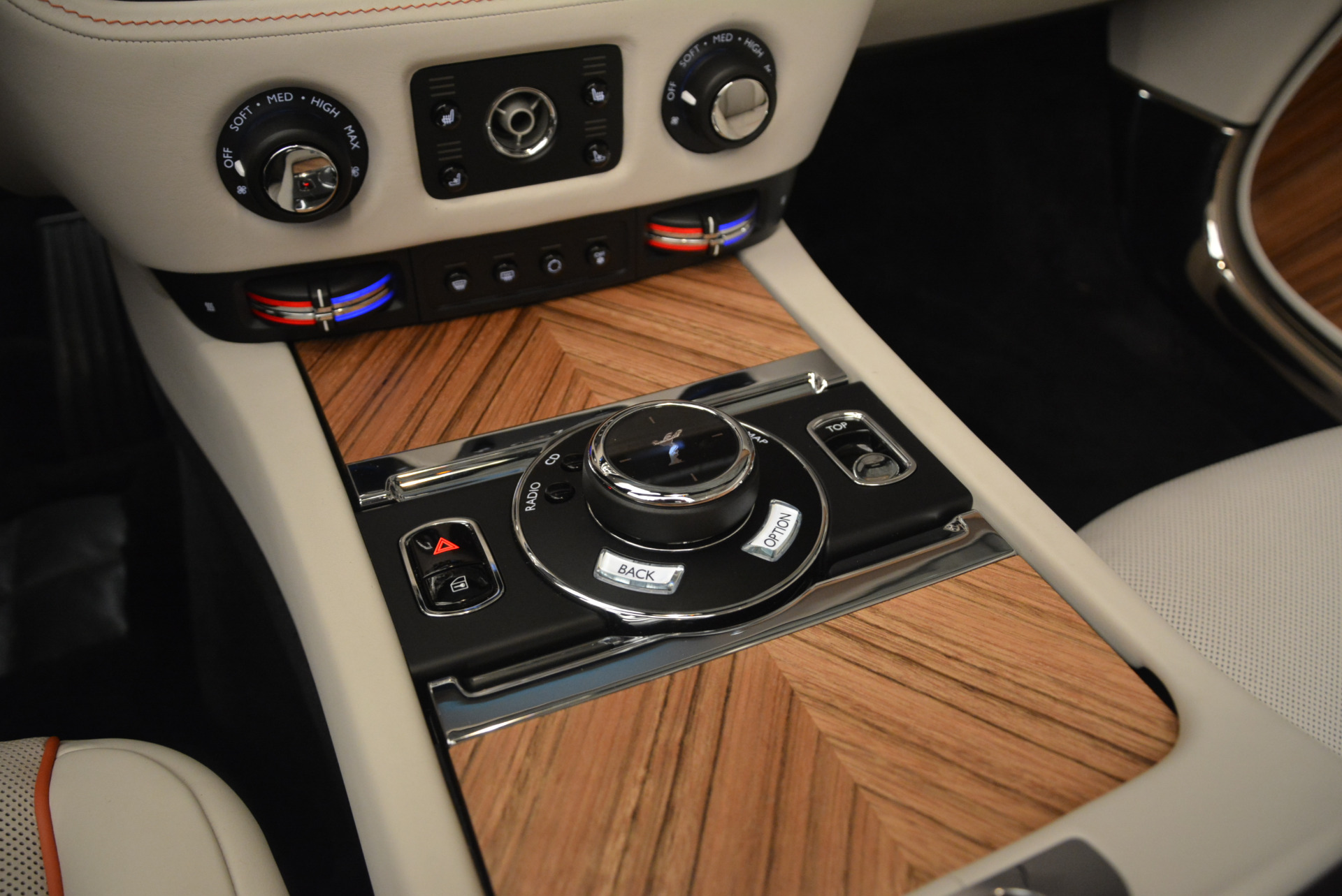 Used 2016 Rolls-Royce Dawn  For Sale In Greenwich, CT 2220_p36