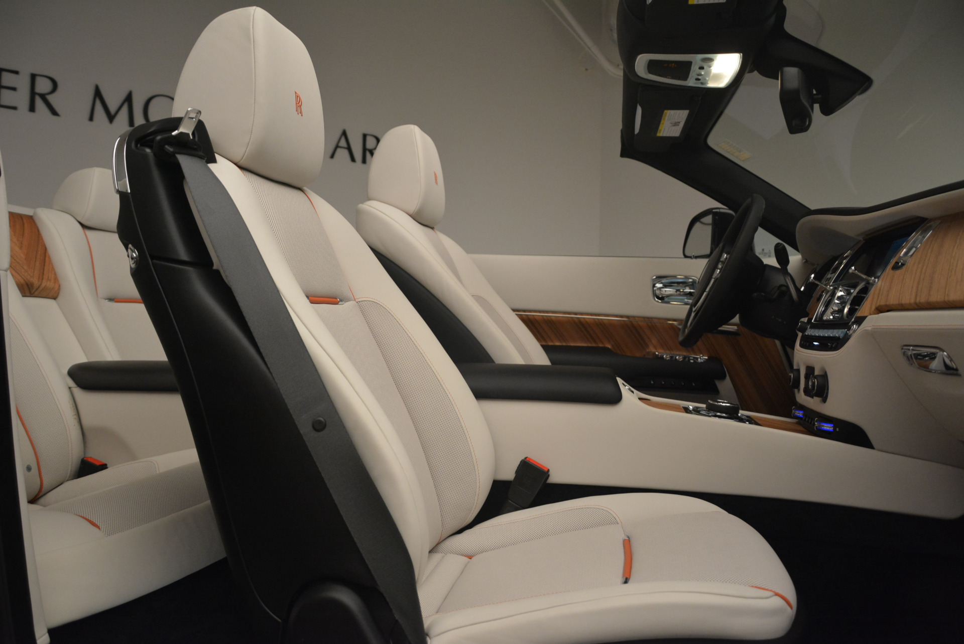 Used 2016 Rolls-Royce Dawn  For Sale In Greenwich, CT 2220_p42