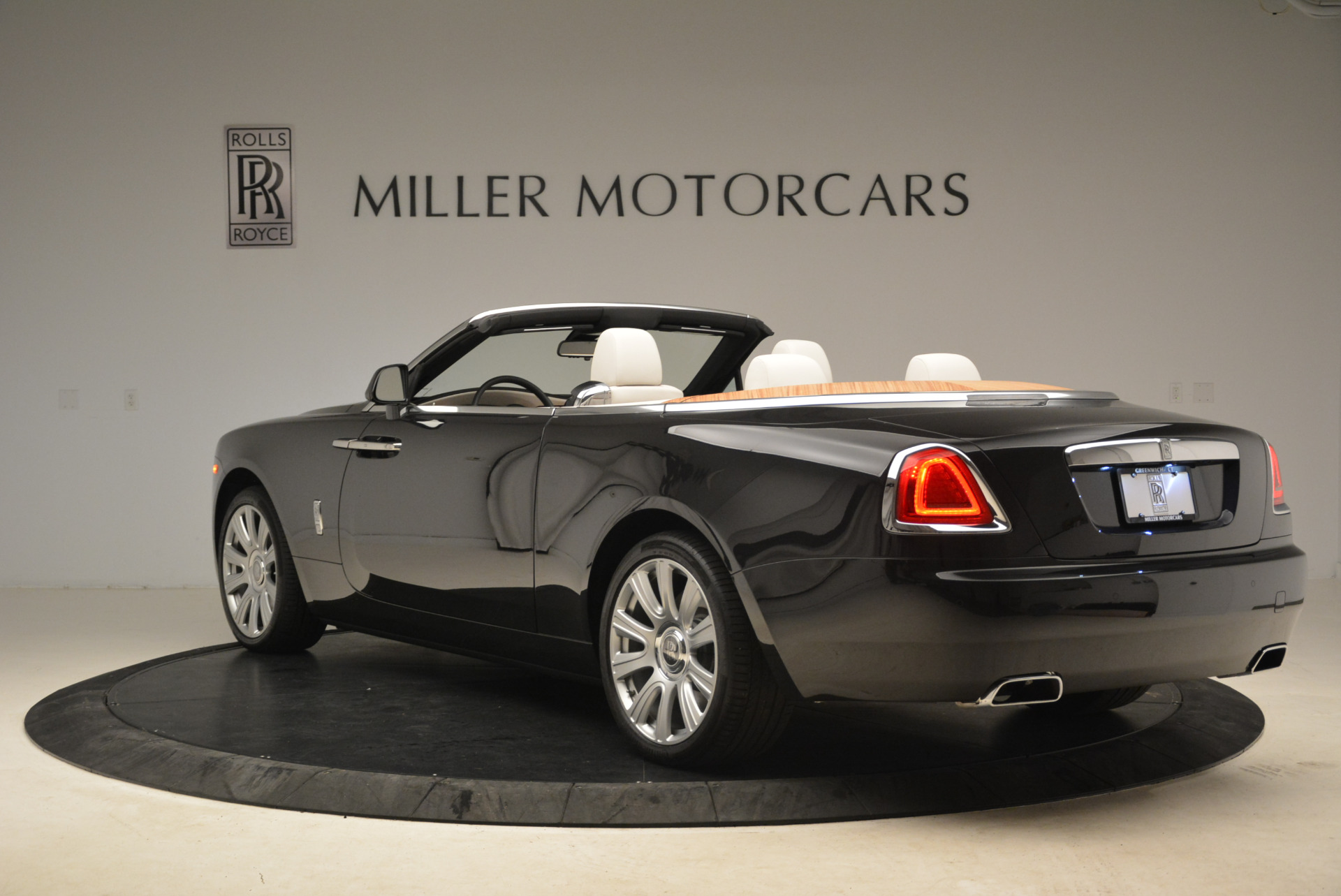 Used 2016 Rolls-Royce Dawn  For Sale In Greenwich, CT 2220_p5