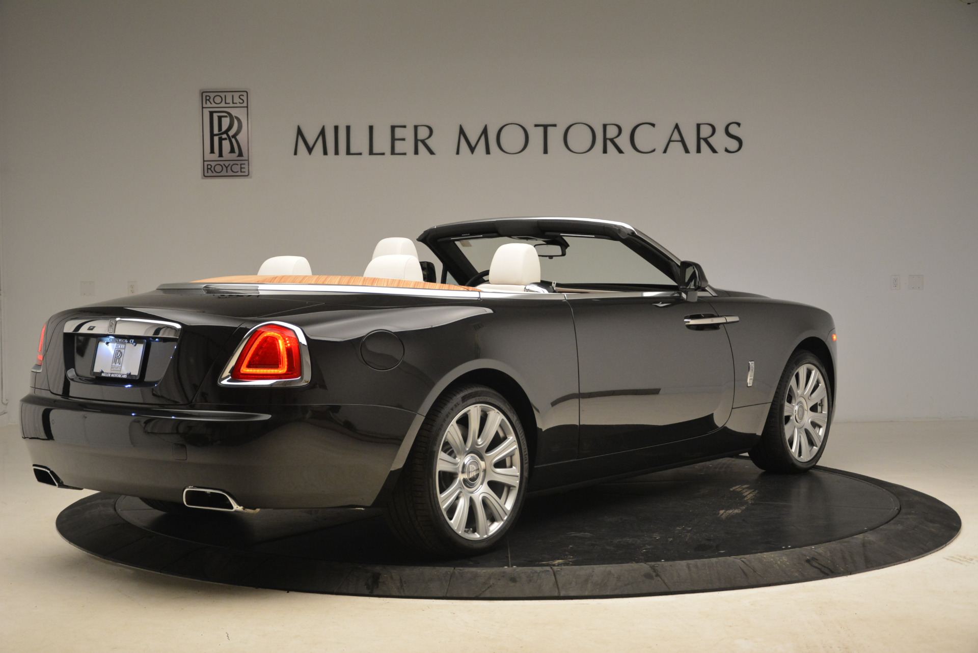 Used 2016 Rolls-Royce Dawn  For Sale In Greenwich, CT 2220_p8
