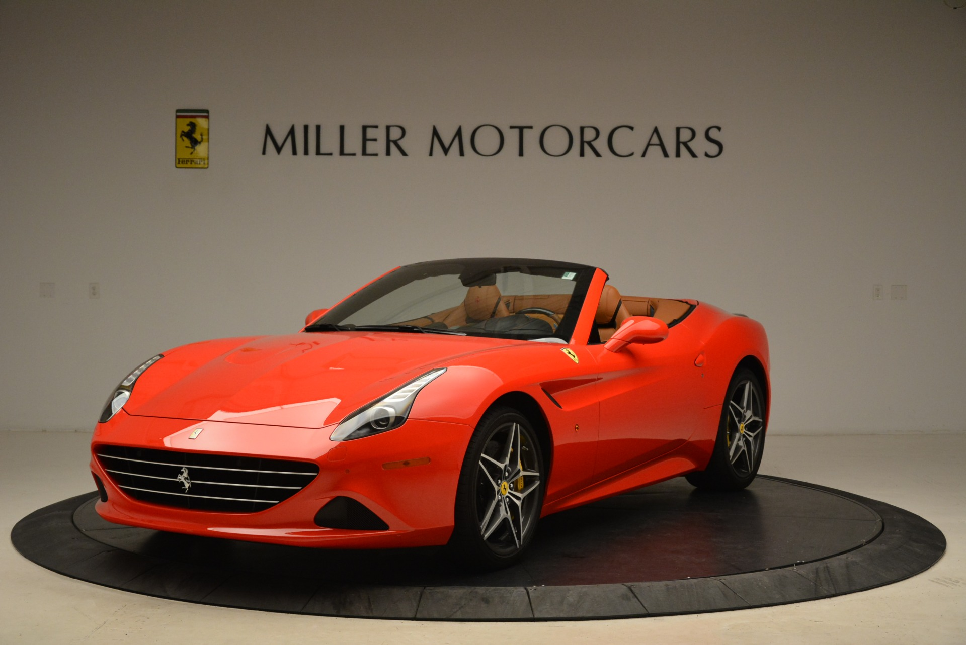 Used 2015 Ferrari California T  For Sale In Greenwich, CT 2221_main