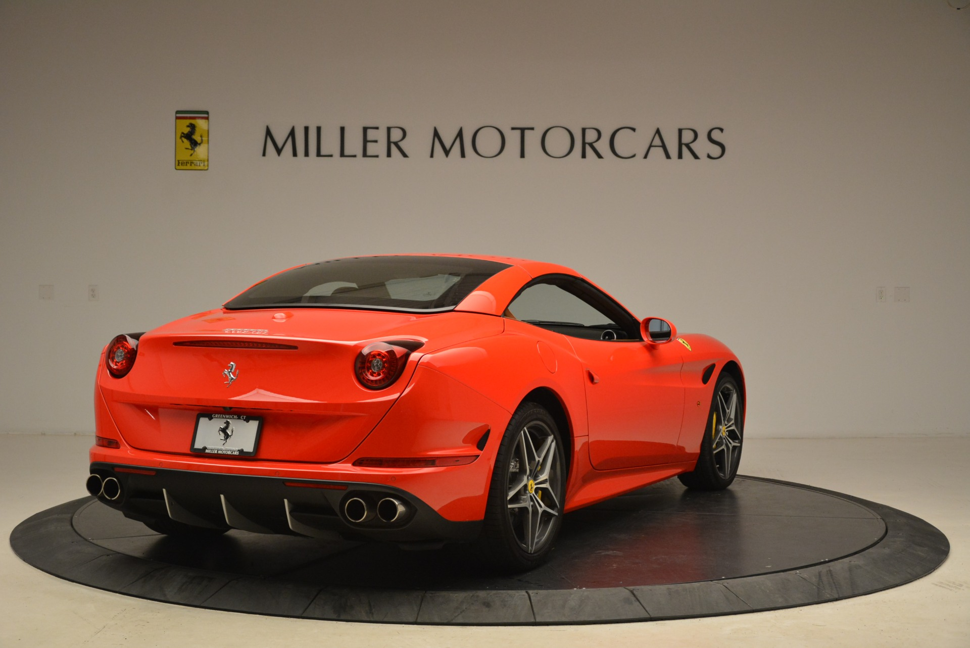 Used 2015 Ferrari California T  For Sale In Greenwich, CT 2221_p19