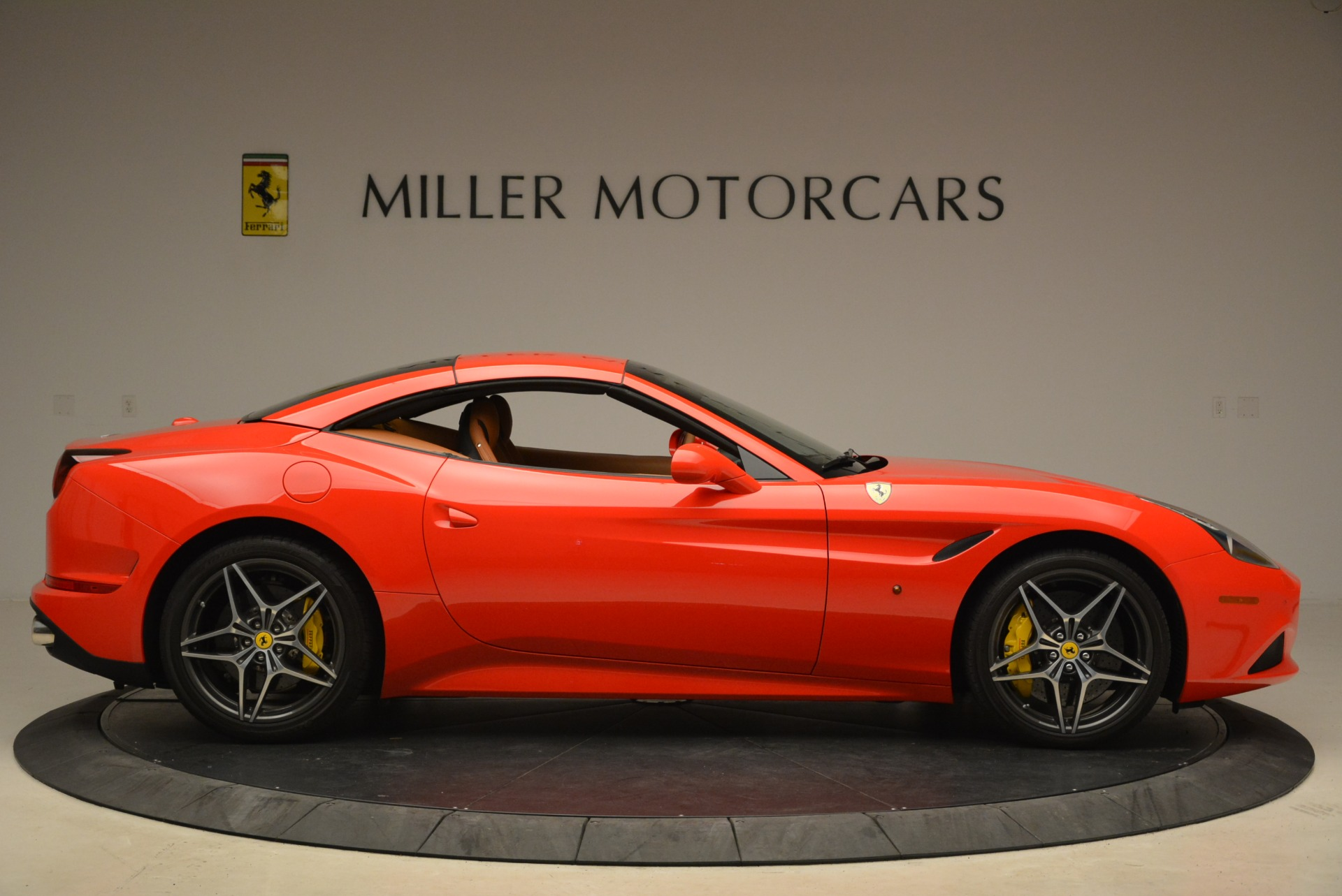Used 2015 Ferrari California T  For Sale In Greenwich, CT 2221_p21
