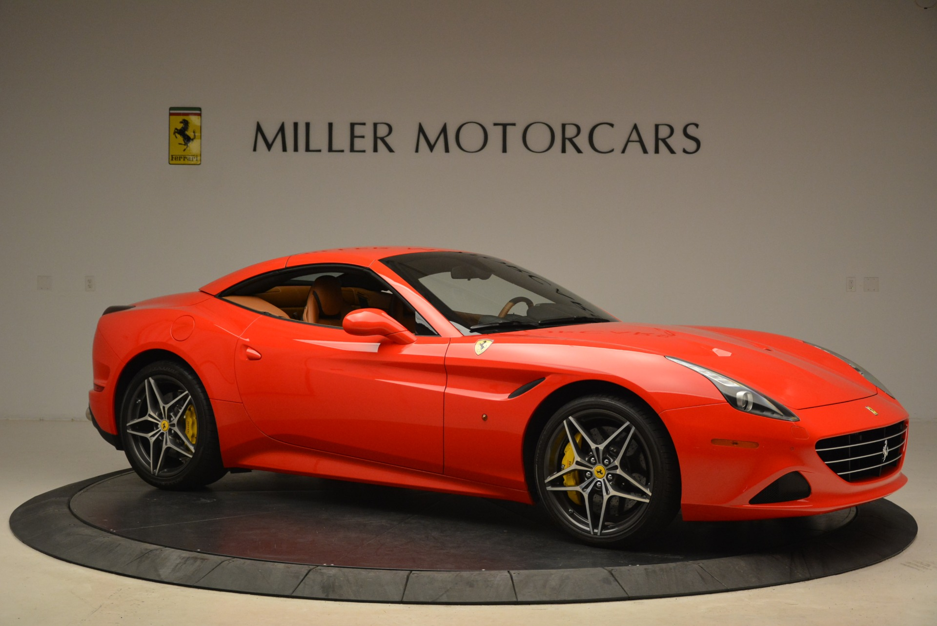 Used 2015 Ferrari California T  For Sale In Greenwich, CT 2221_p22