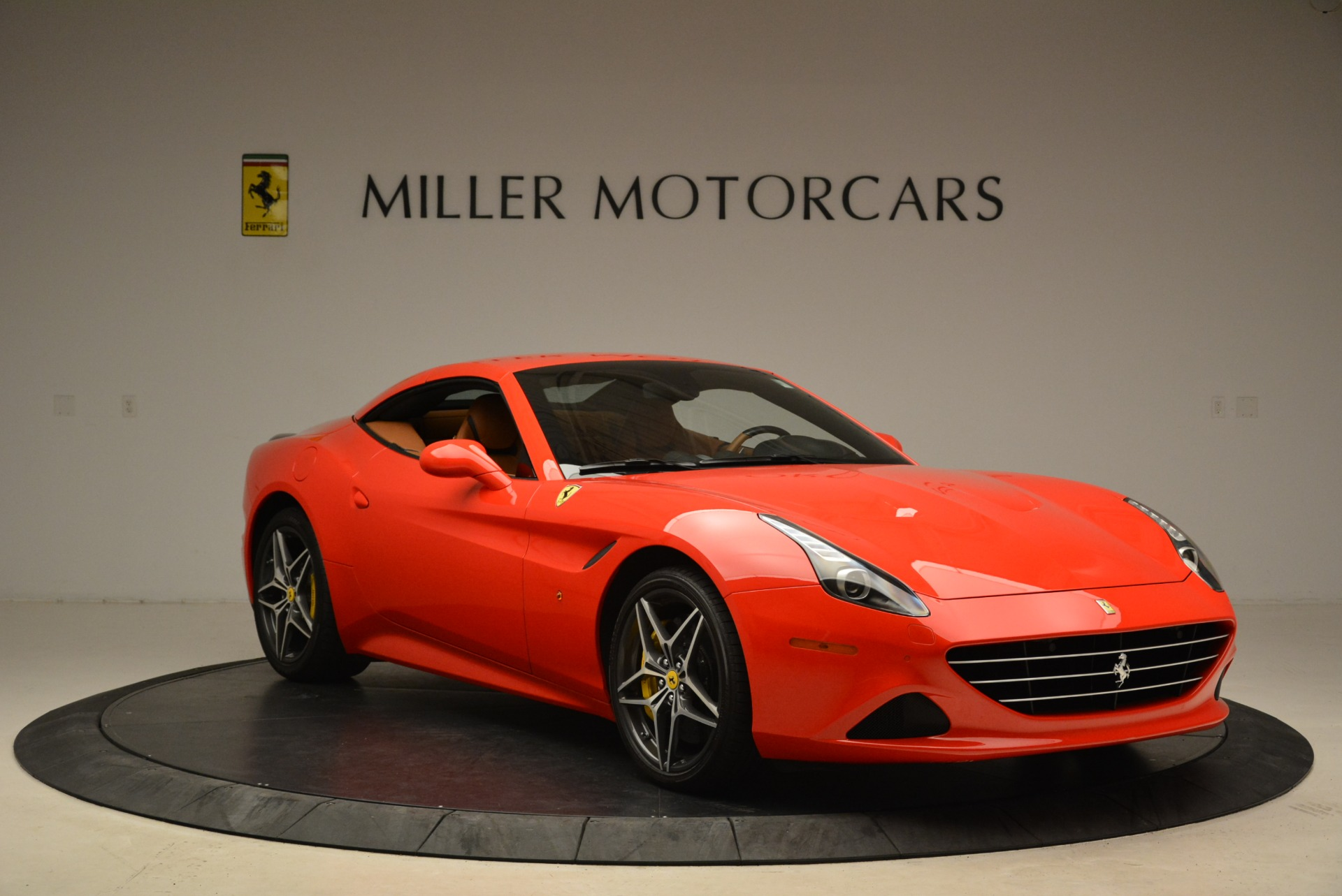 Used 2015 Ferrari California T  For Sale In Greenwich, CT 2221_p23