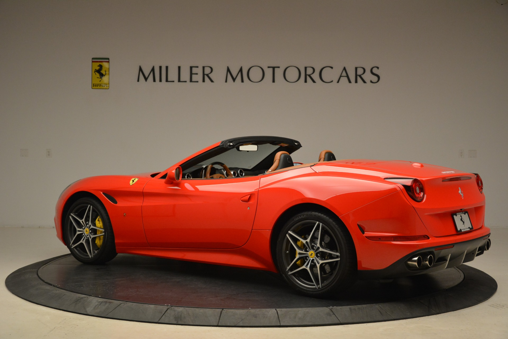 Used 2015 Ferrari California T  For Sale In Greenwich, CT 2221_p4