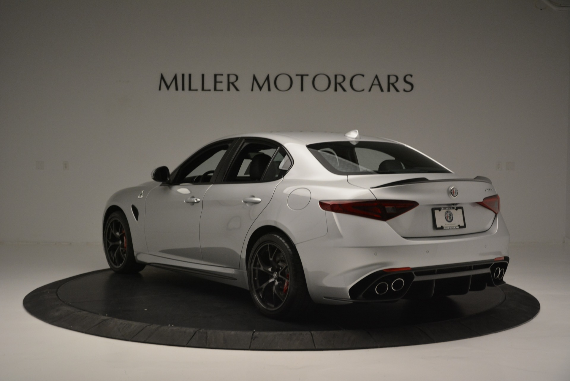 New 2018 Alfa Romeo Giulia Quadrifoglio For Sale In Greenwich, CT 2222_p5