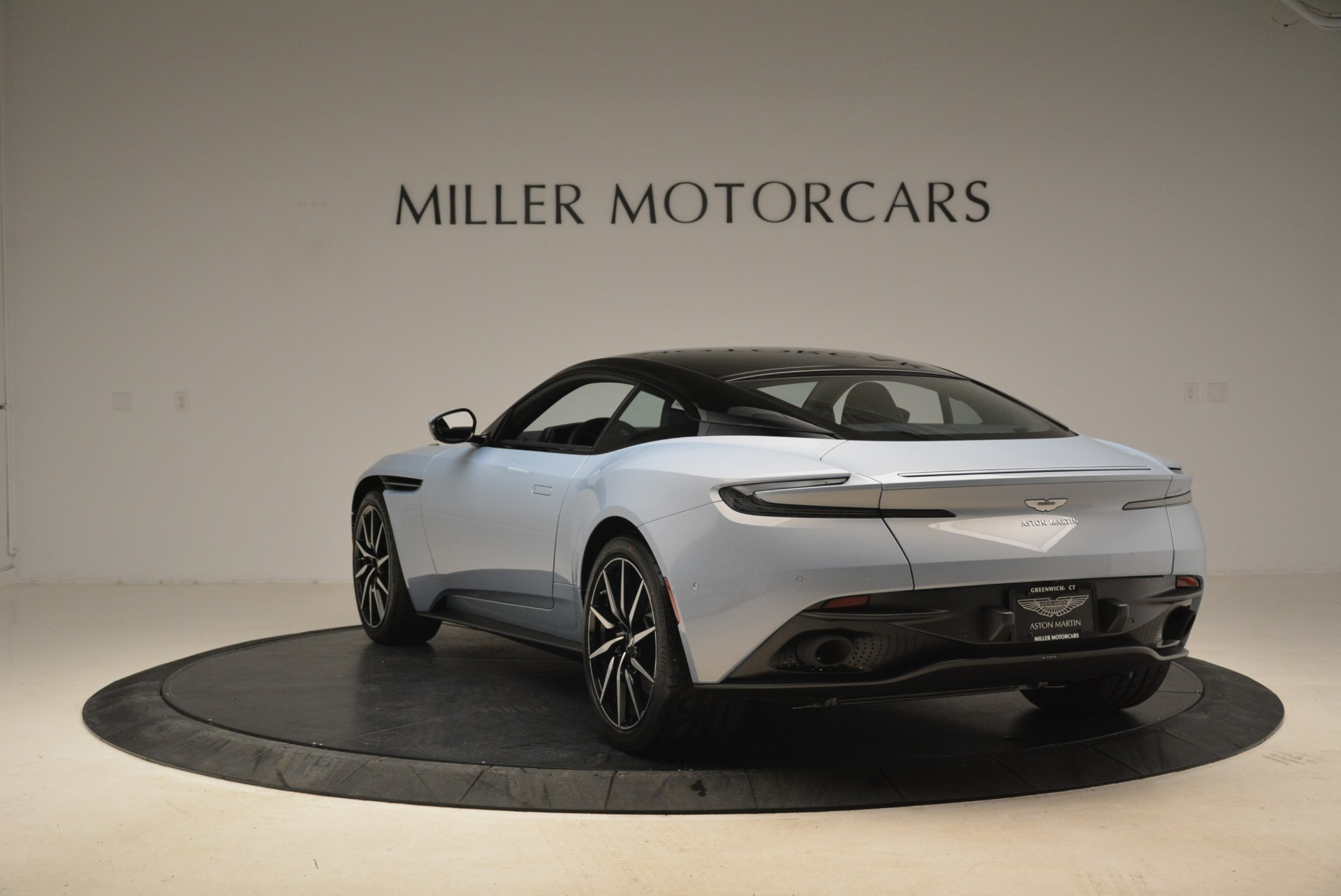 New 2018 Aston Martin DB11 V12 For Sale In Greenwich, CT 2225_p5
