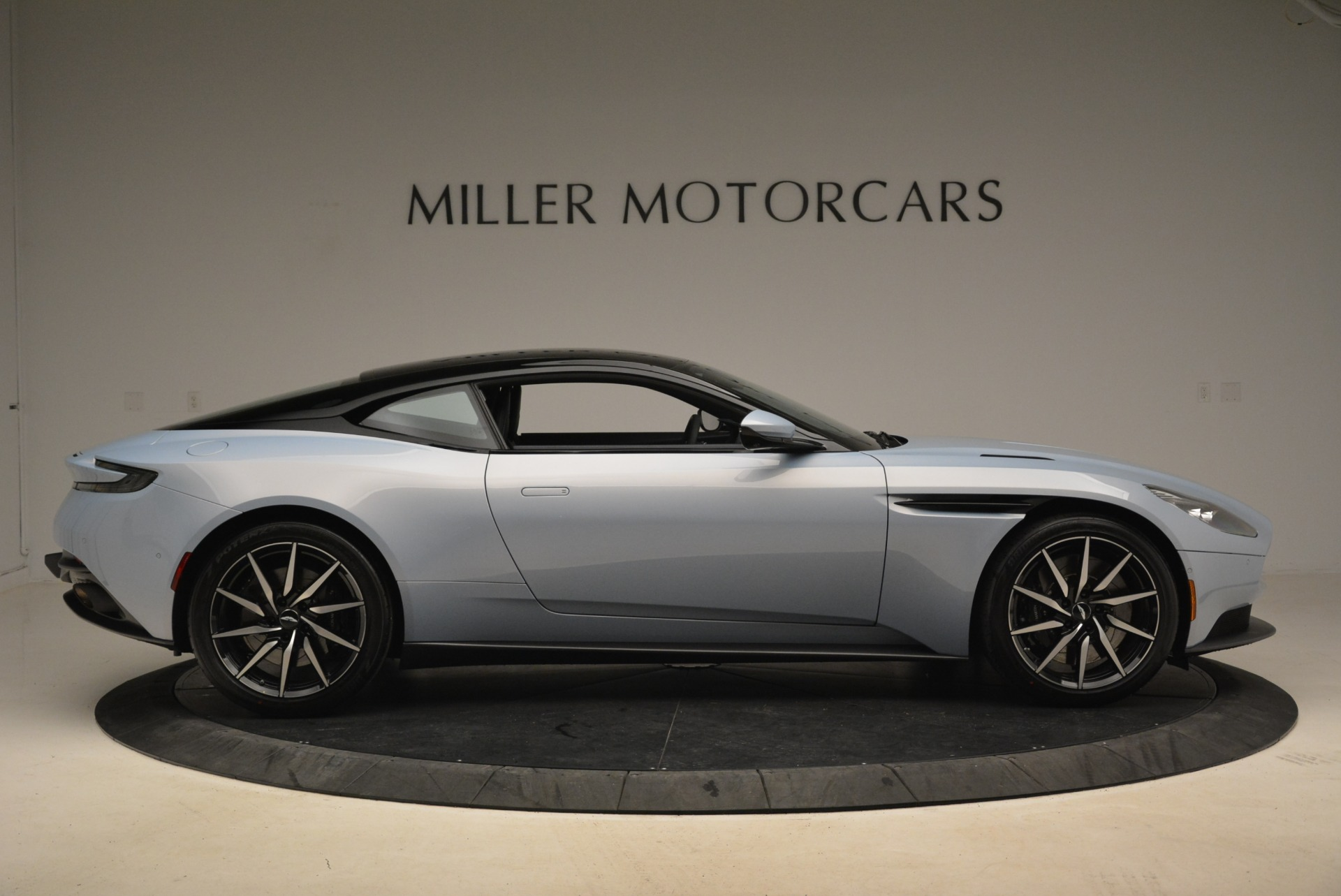 New 2018 Aston Martin DB11 V12 For Sale In Greenwich, CT 2225_p9