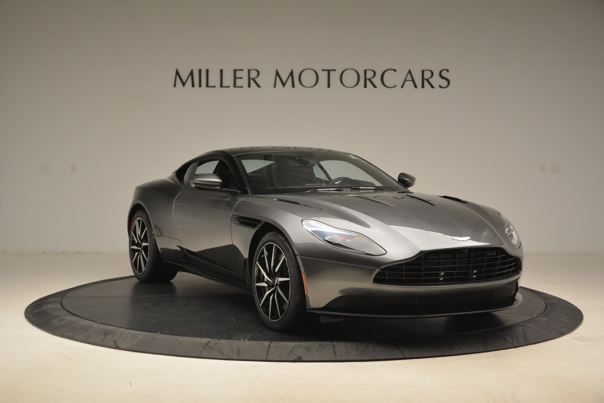 New 2018 Aston Martin DB11 V12 Coupe For Sale In Greenwich, CT 2228_p11
