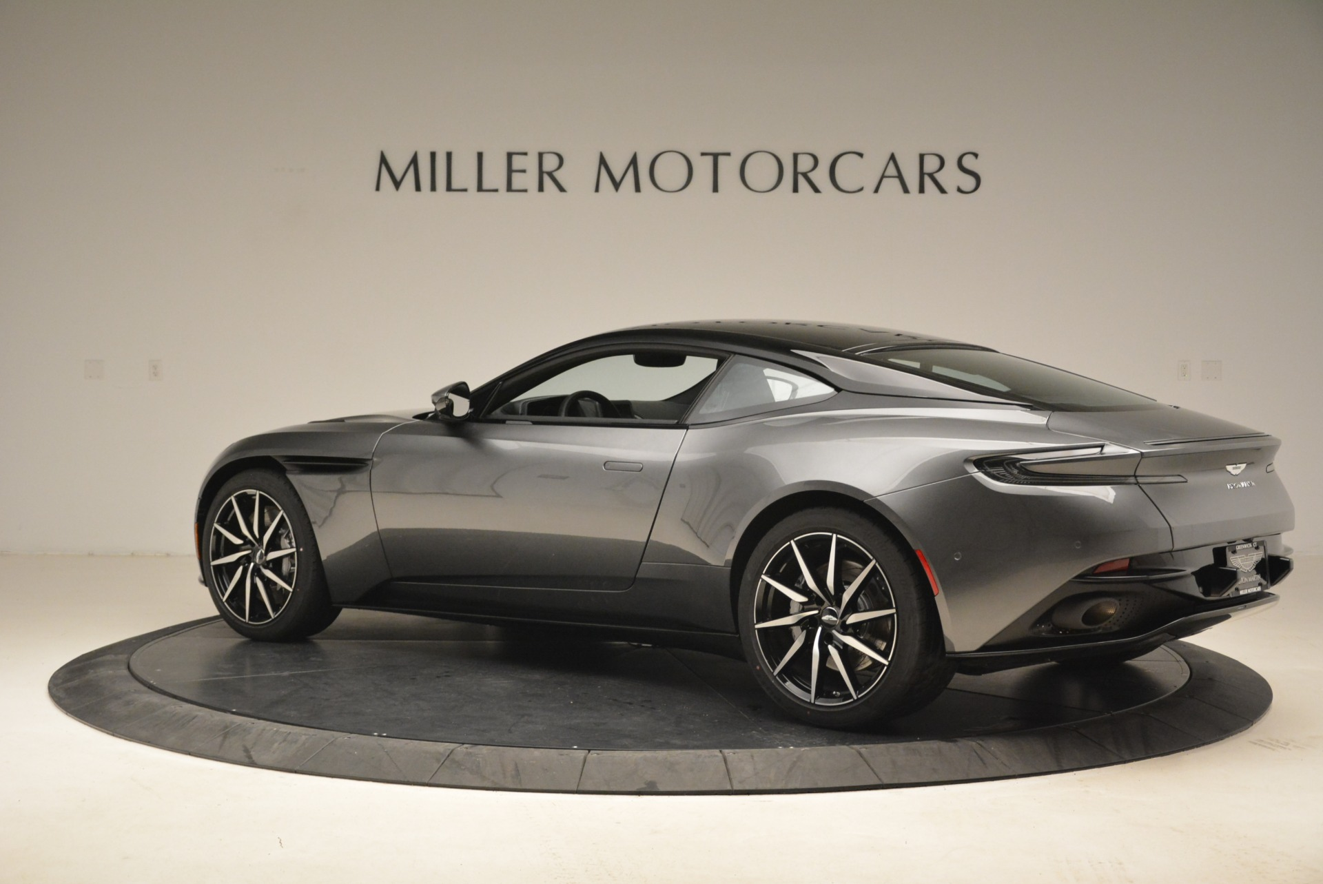 New 2018 Aston Martin DB11 V12 Coupe For Sale In Greenwich, CT 2228_p4