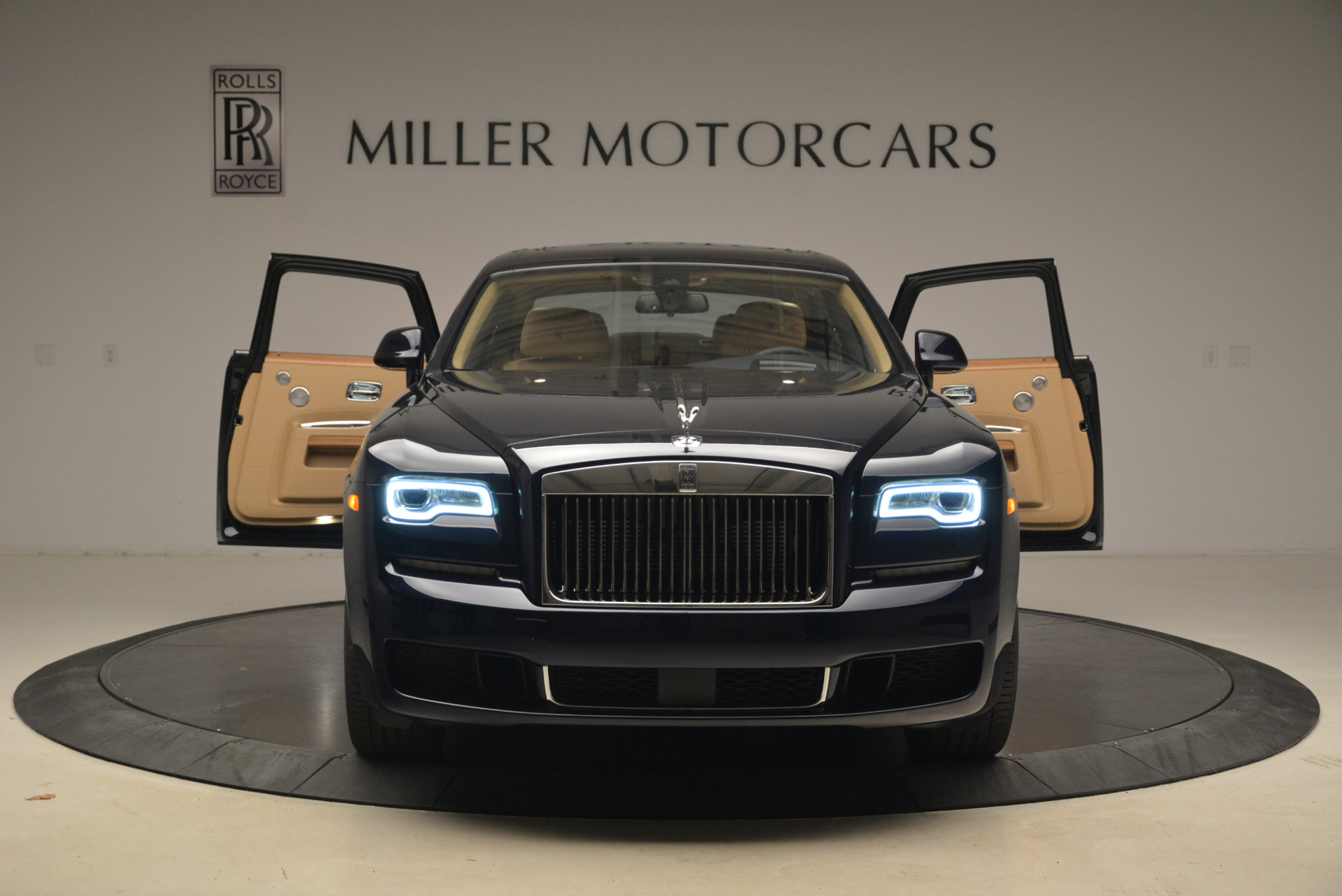 Used 2018 Rolls-Royce Ghost  For Sale In Greenwich, CT 2231_p13