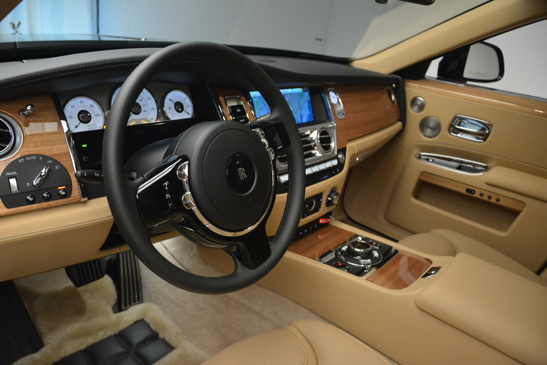 Used 2018 Rolls-Royce Ghost  For Sale In Greenwich, CT 2231_p17