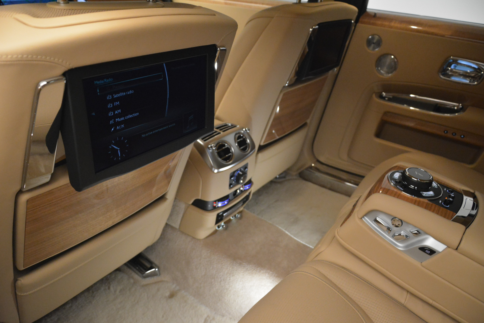 Used 2018 Rolls-Royce Ghost  For Sale In Greenwich, CT 2231_p23