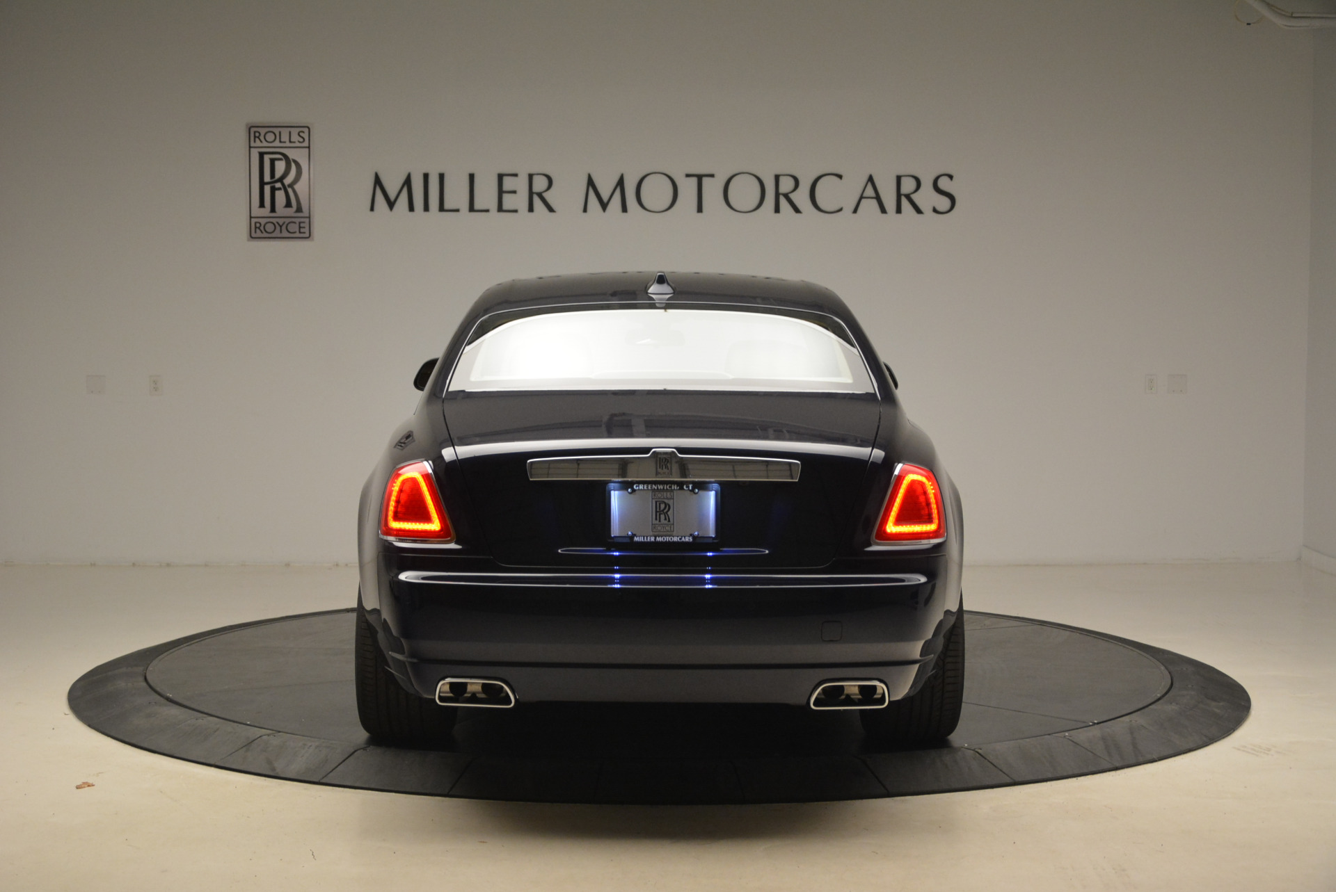 Used 2018 Rolls-Royce Ghost  For Sale In Greenwich, CT 2231_p8