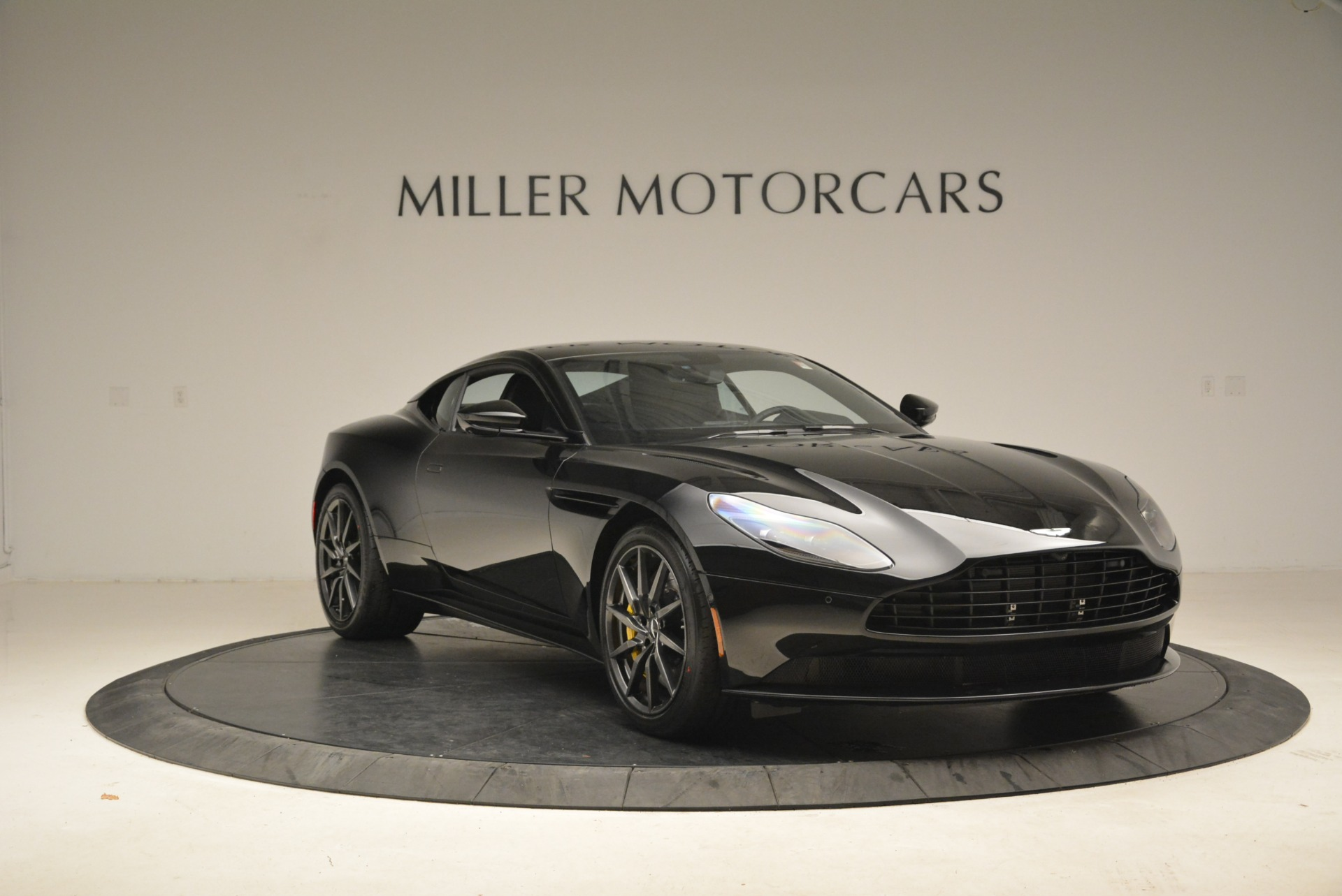Used 2018 Aston Martin DB11 V8 Coupe For Sale In Greenwich, CT 2237_p11