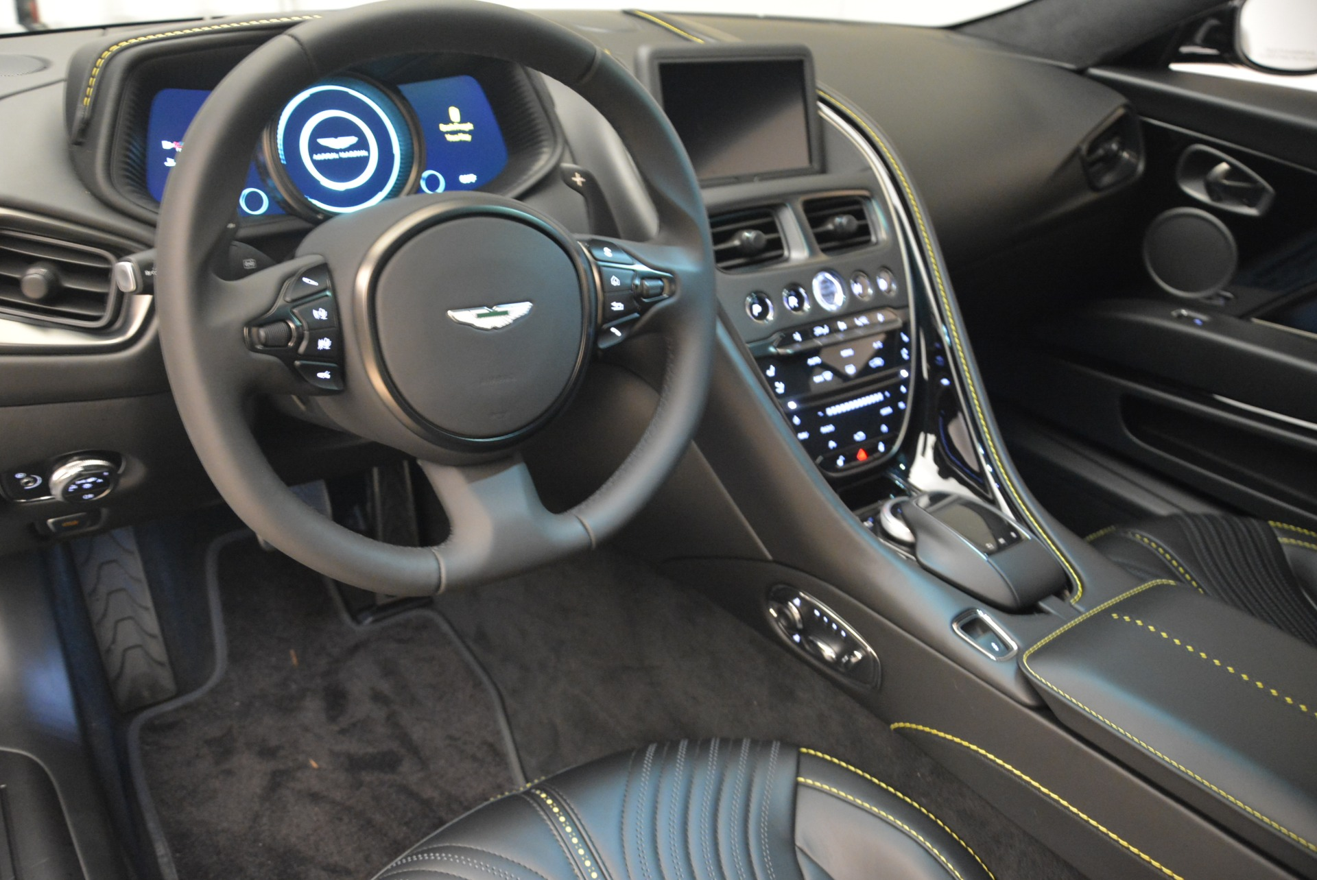 Used 2018 Aston Martin DB11 V8 Coupe For Sale In Greenwich, CT 2237_p14