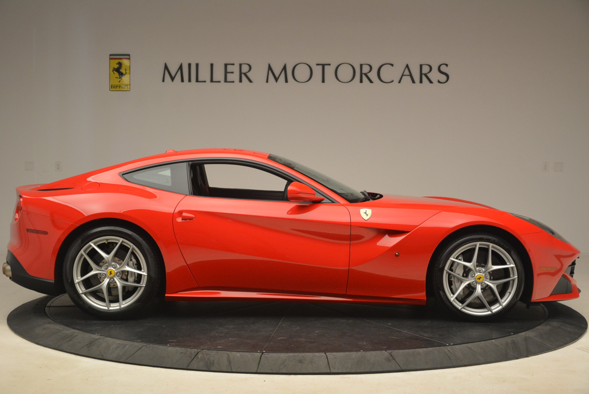 Used 2014 Ferrari F12 Berlinetta  For Sale In Greenwich, CT 2256_p9